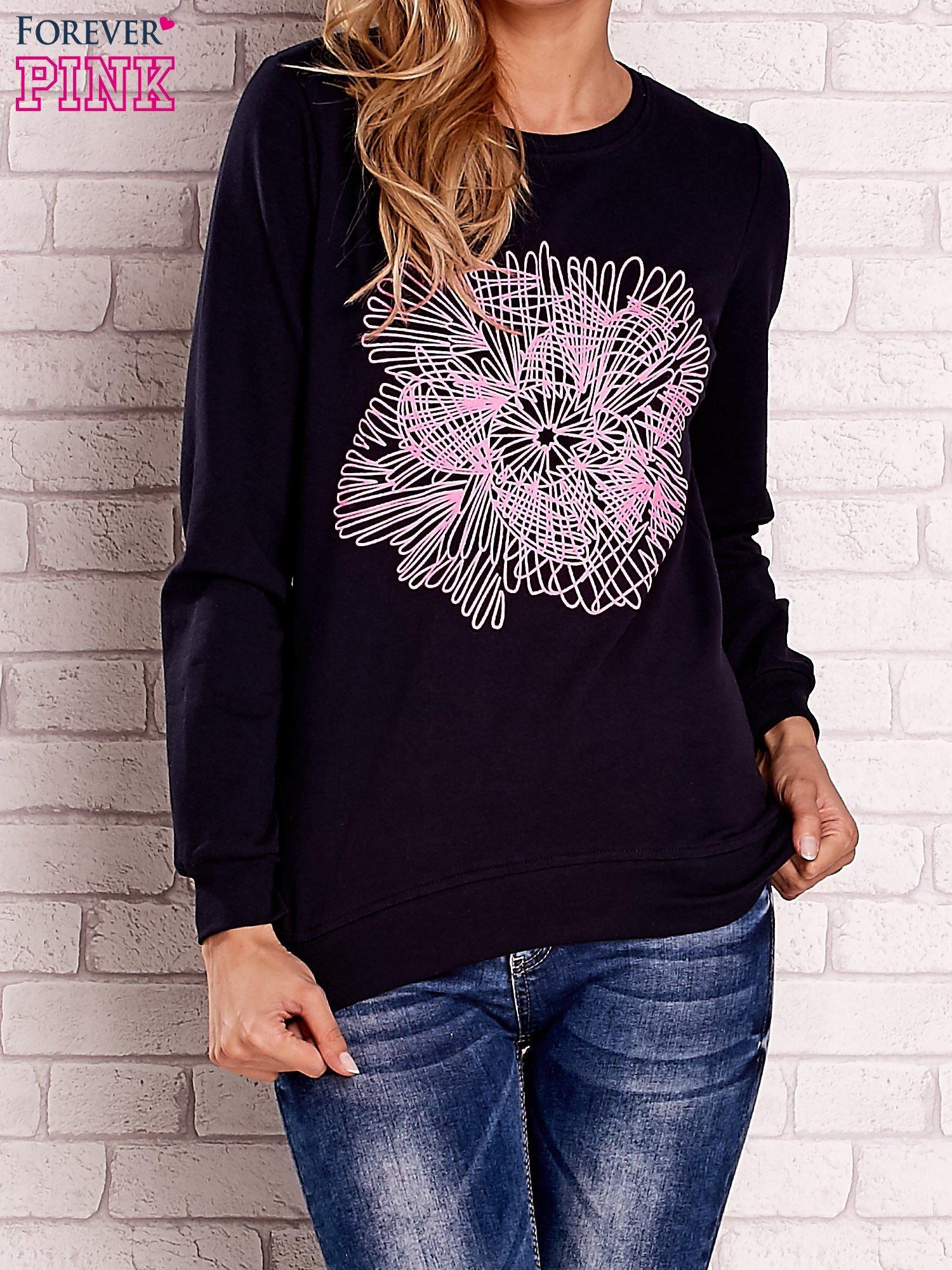 Granatowa bluza z kolorowym nadrukiem                                  zdj.                                  1
