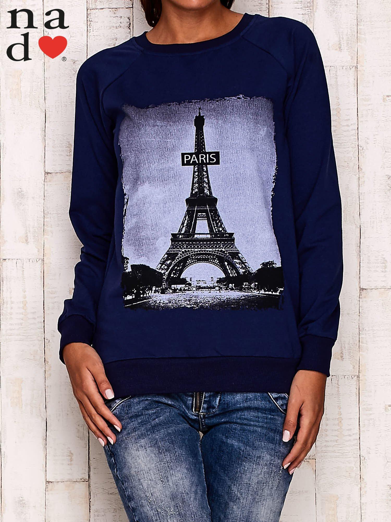 Granatowa bluza z motywem Wieży Eiffla                                  zdj.                                  1