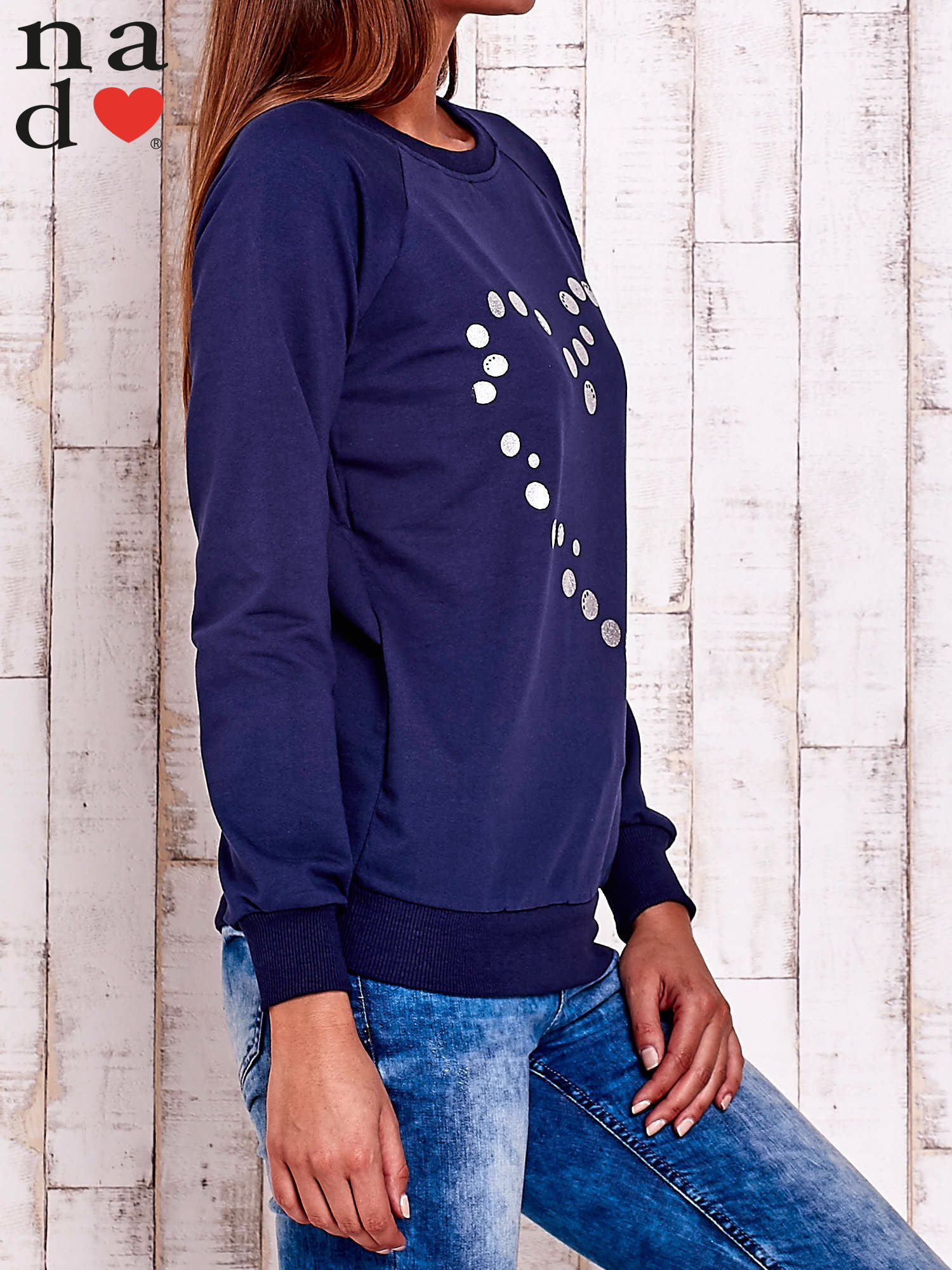 Granatowa bluza z wzorem serca                                  zdj.                                  3