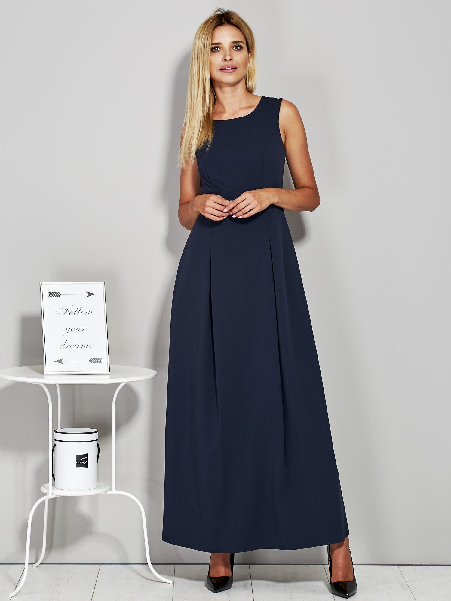 85dc71d14a Granatowa długa sukienka wieczorowa z siateczkowym dekoltem z tyłu ...