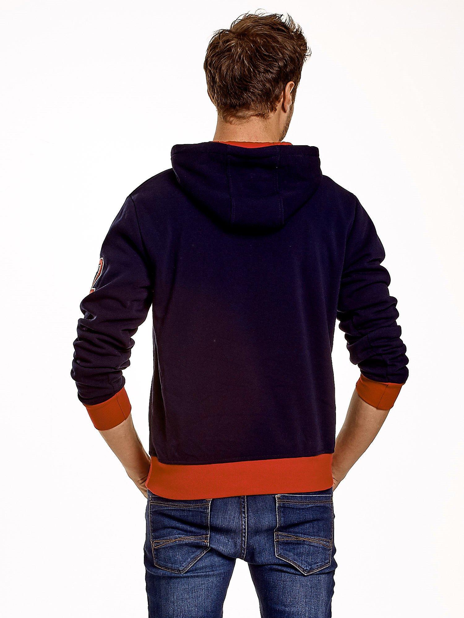 Granatowa ocieplana bluza męska z napisem CALIFORNIA i kapturem                                  zdj.                                  3