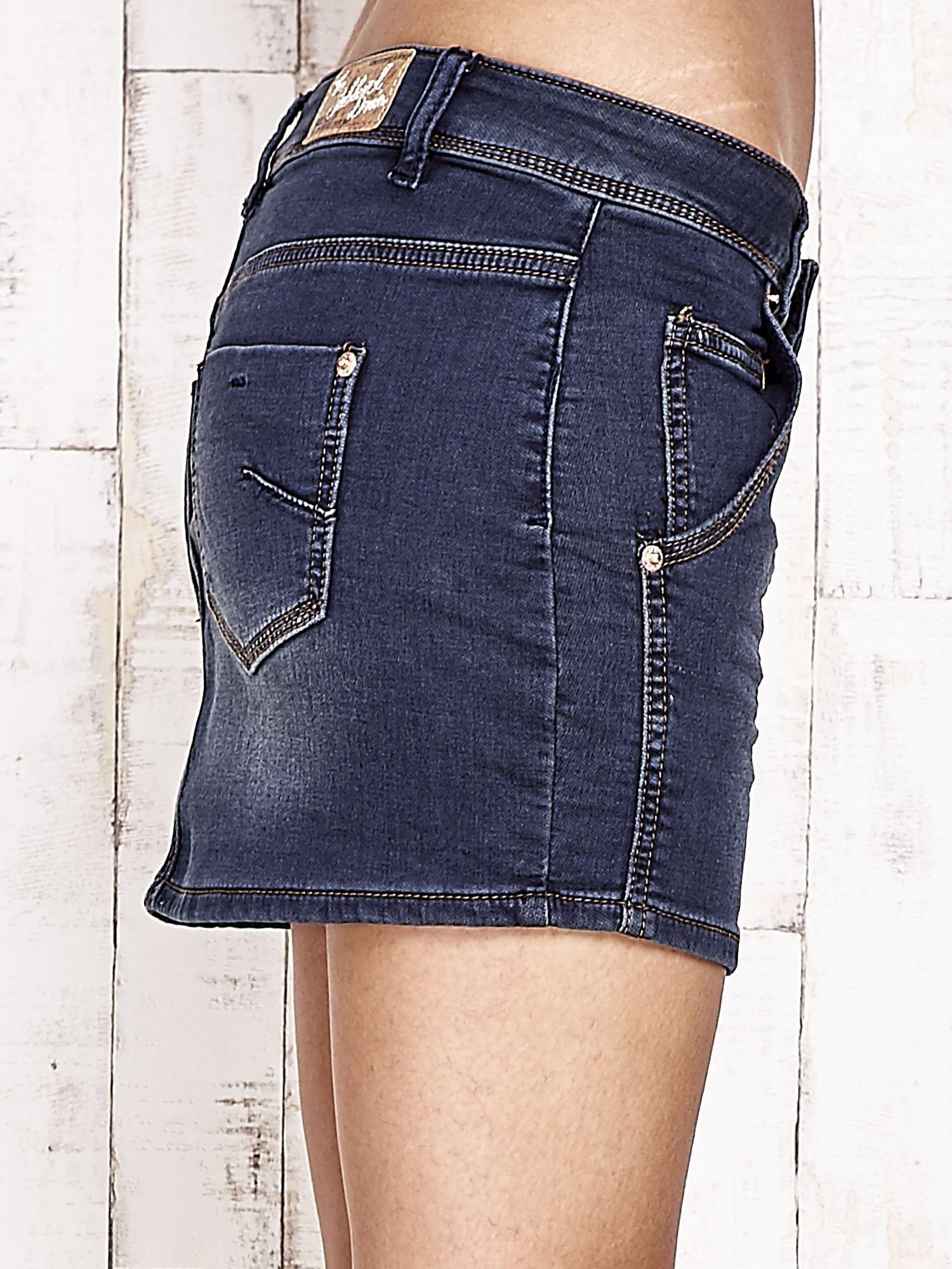 Granatowa spódnica jeansowa z przetarciami                                   zdj.                                  5