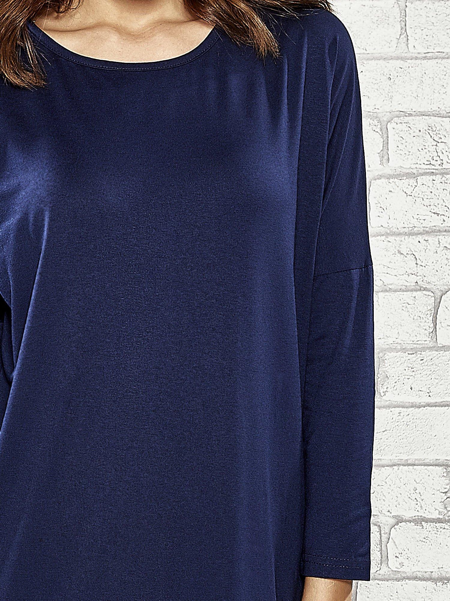 Granatowa sukienka z rozporkami po bokach                                  zdj.                                  6