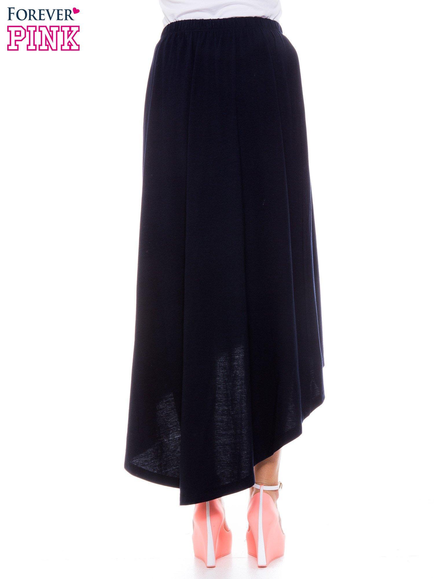 Granatowa zwiewna spódnica z dłuższym tyłem                                  zdj.                                  3