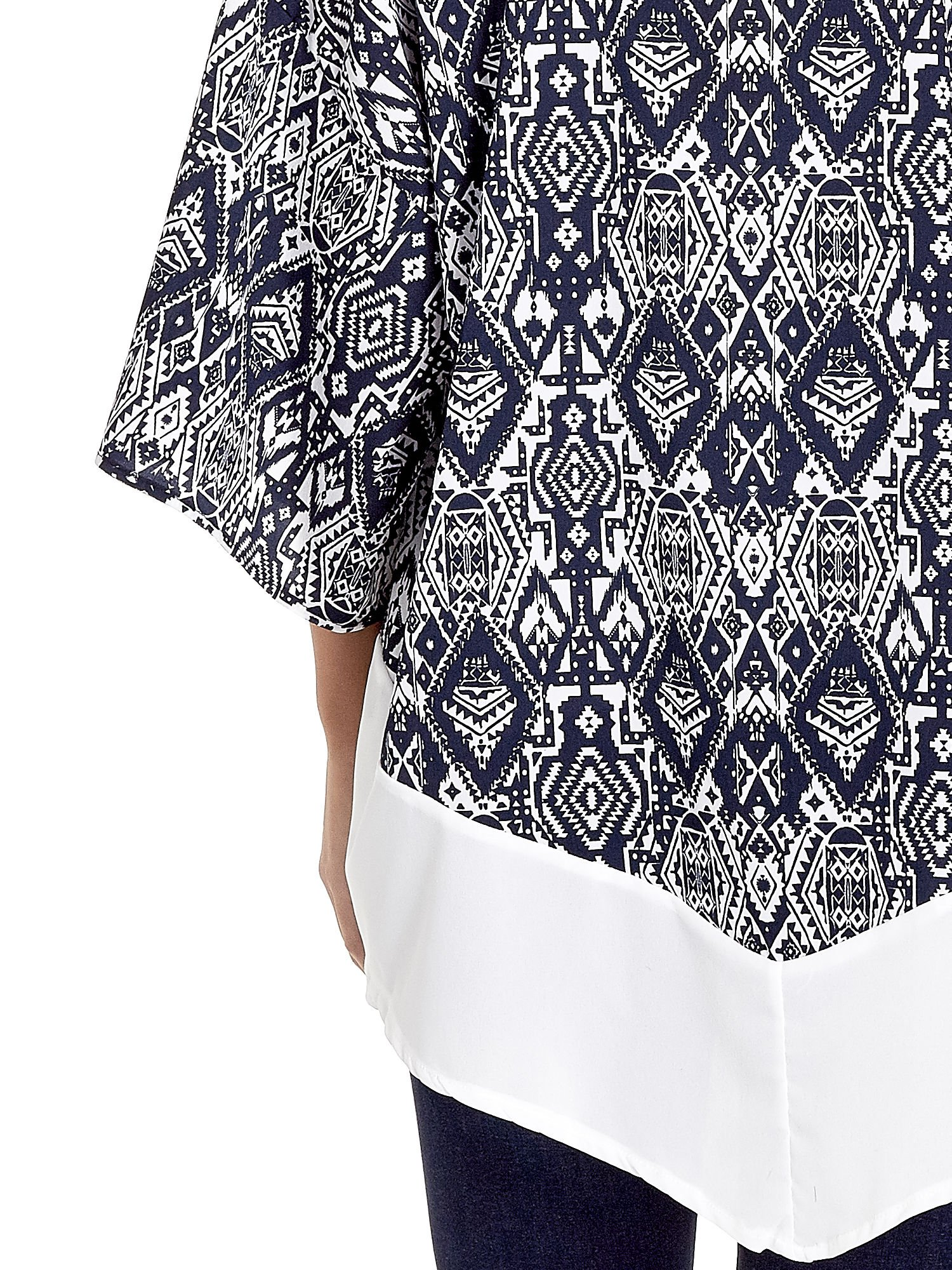 Granatowe kimono w etniczne wzory z modułem na dole                                  zdj.                                  6