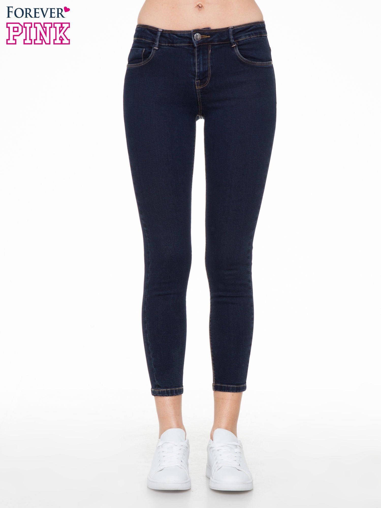 Granatowe spodnie jeansowe rurki 7/8                                  zdj.                                  1