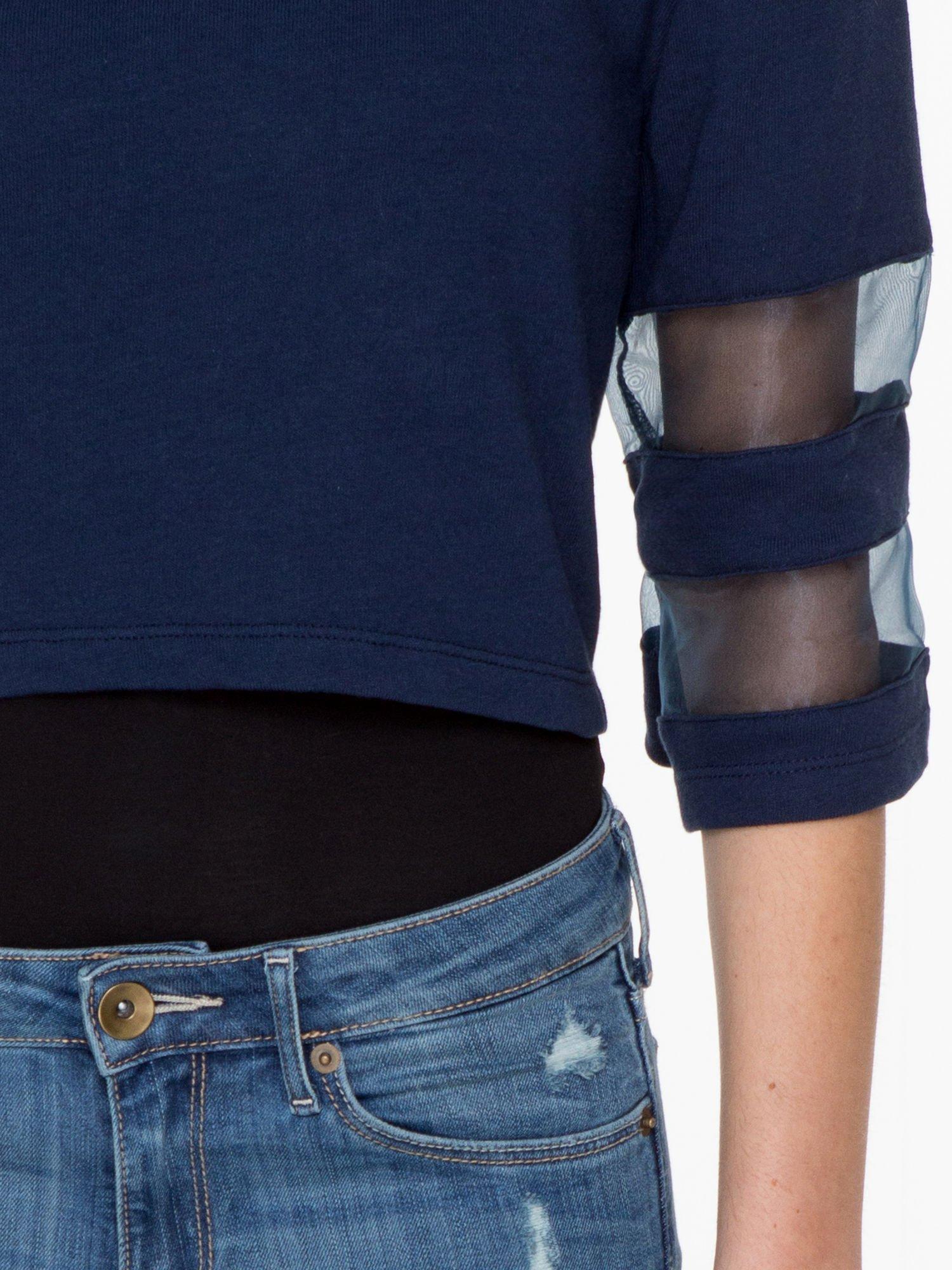 Granatowy cropped t-shirt z transparentnymi rękawami                                  zdj.                                  7