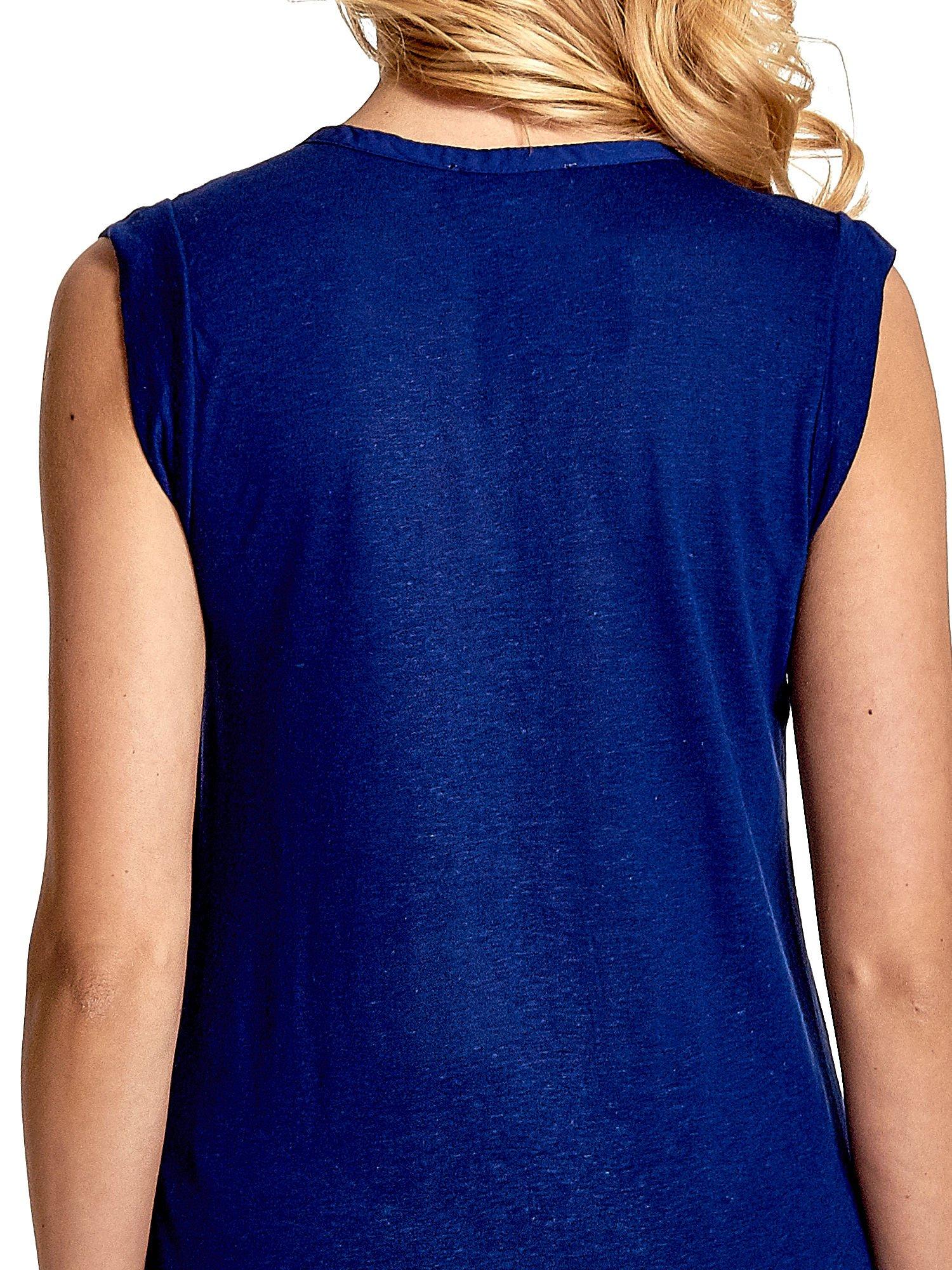 Granatowy długi t-shirt z łączonych materiałów                                  zdj.                                  6