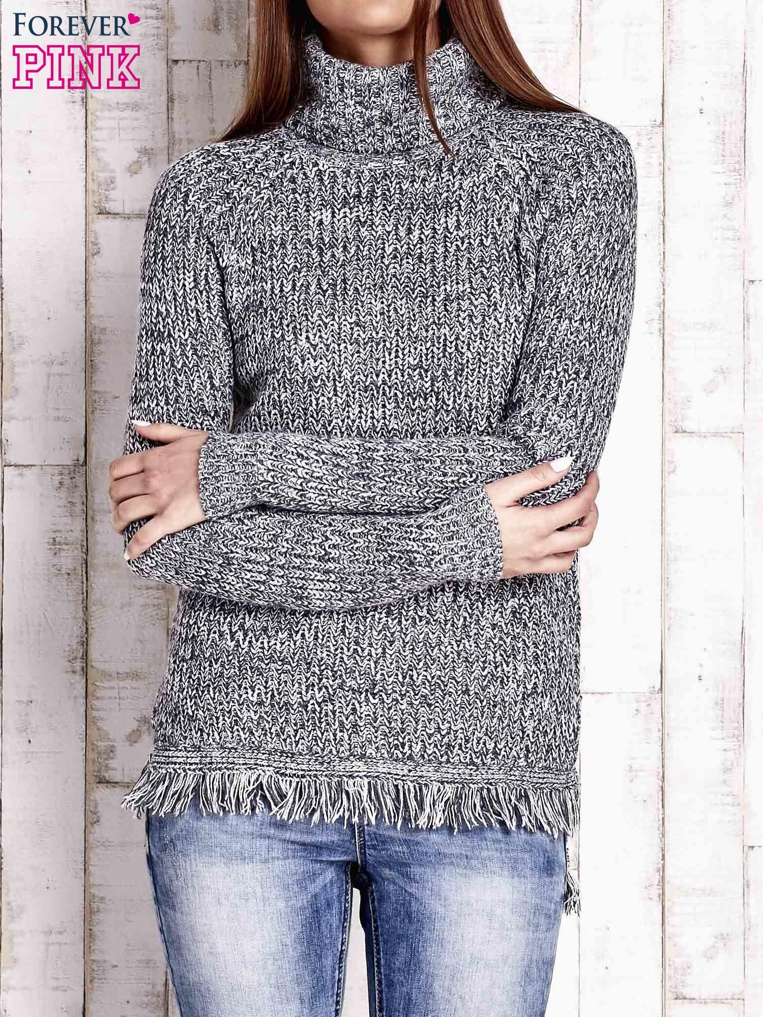Granatowy melanżowy sweter z golfem i frędzlami                                  zdj.                                  1