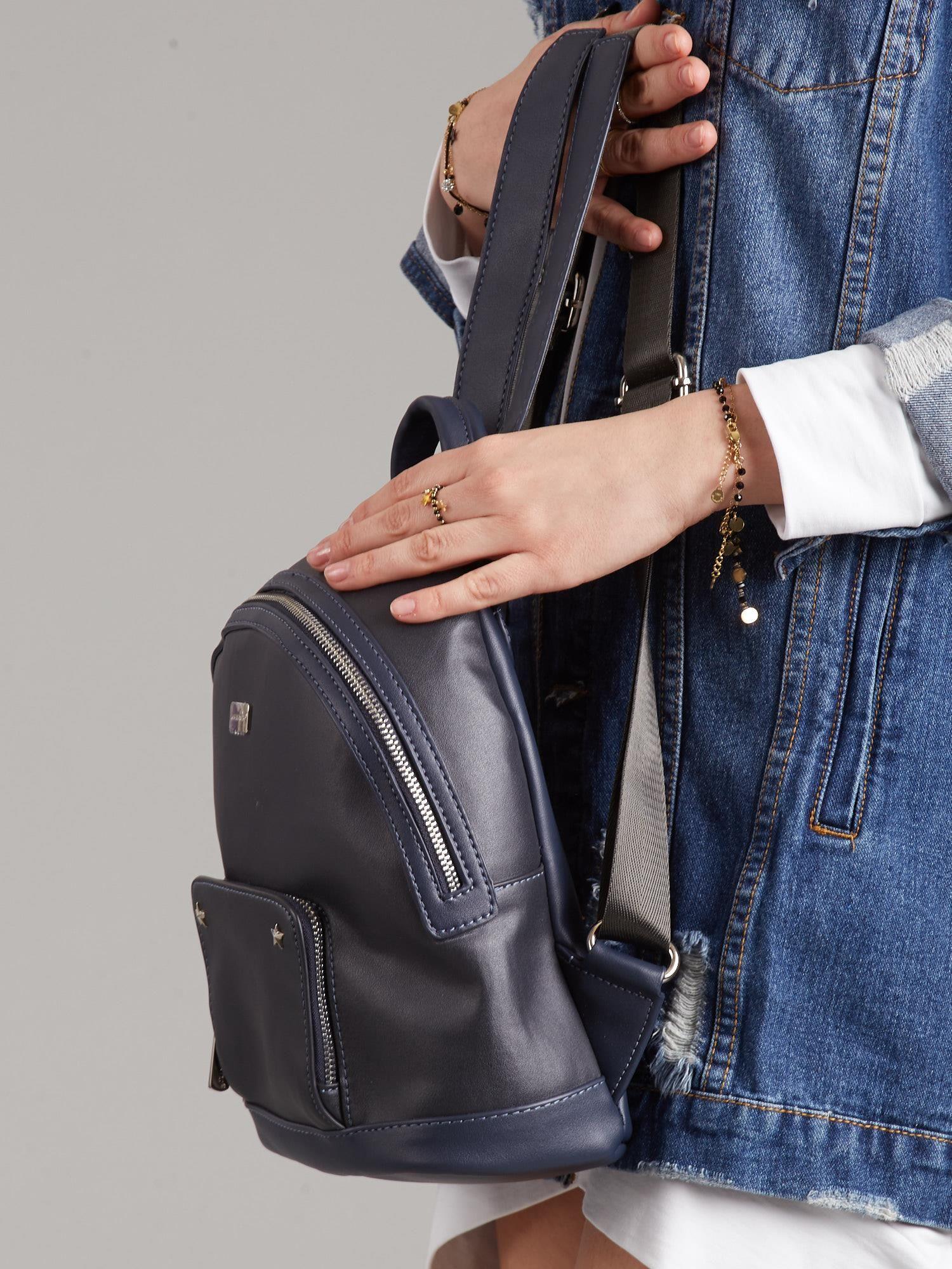 c90d192999944 Granatowy plecak damski z eko skóry - Akcesoria plecaki - sklep ...