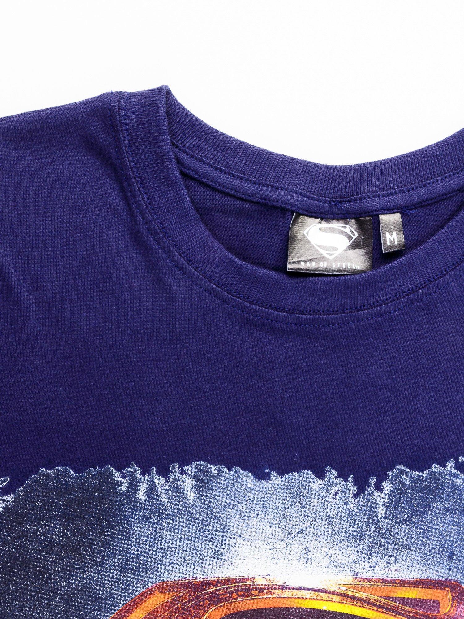 Granatowy t-shirt męski MAN OF STEEL                                  zdj.                                  10