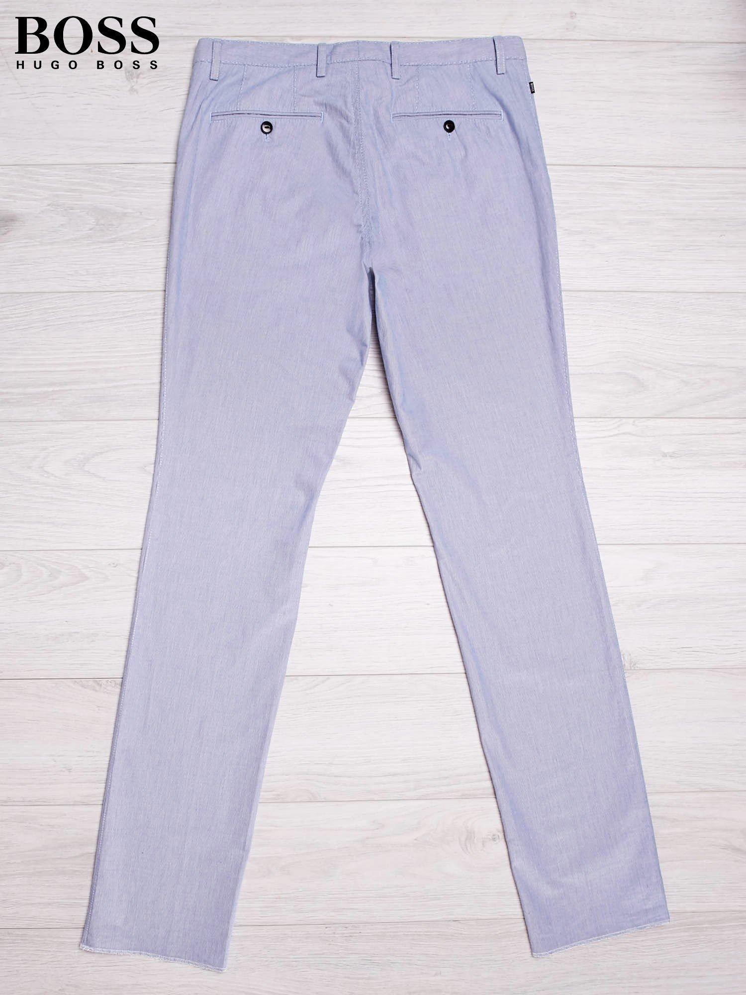 af71892895239 HUGO BOSS Jasnoniebieskie spodnie męskie w drobne paski - Mężczyźni ...