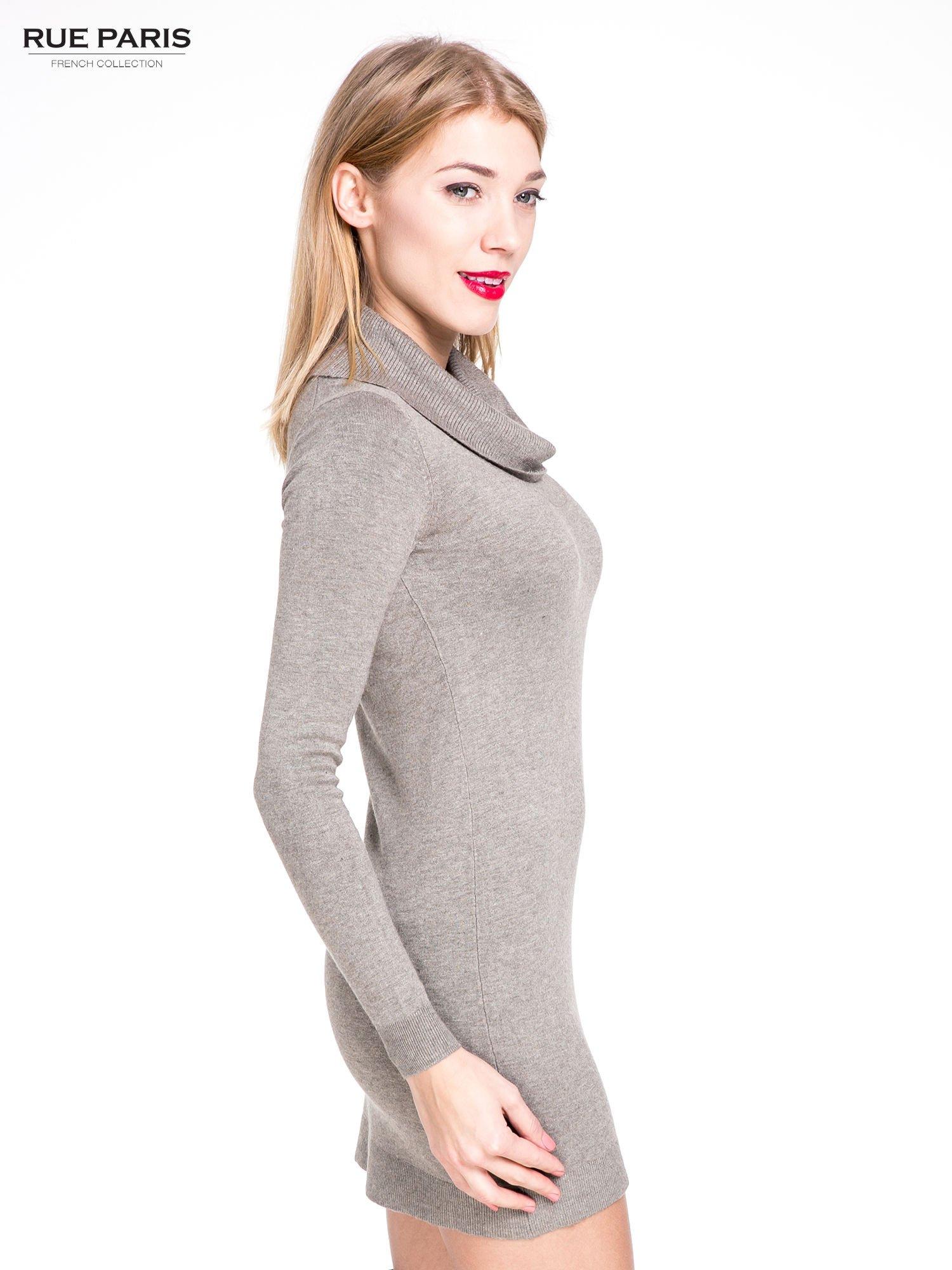 Jasnobrązowa swetrowa sukienka z golfem                                  zdj.                                  3