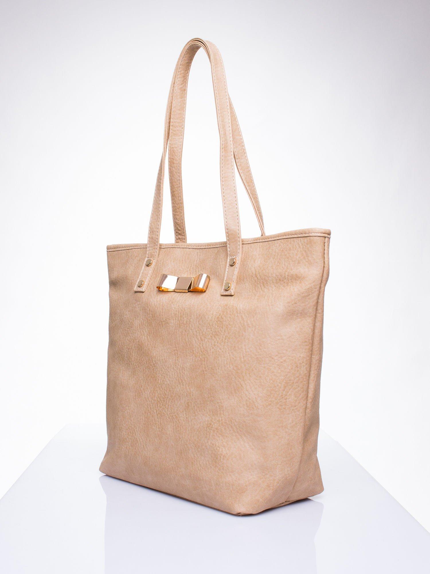 Jasnobrązowa torebka shopper bag z kokardką                                  zdj.                                  3
