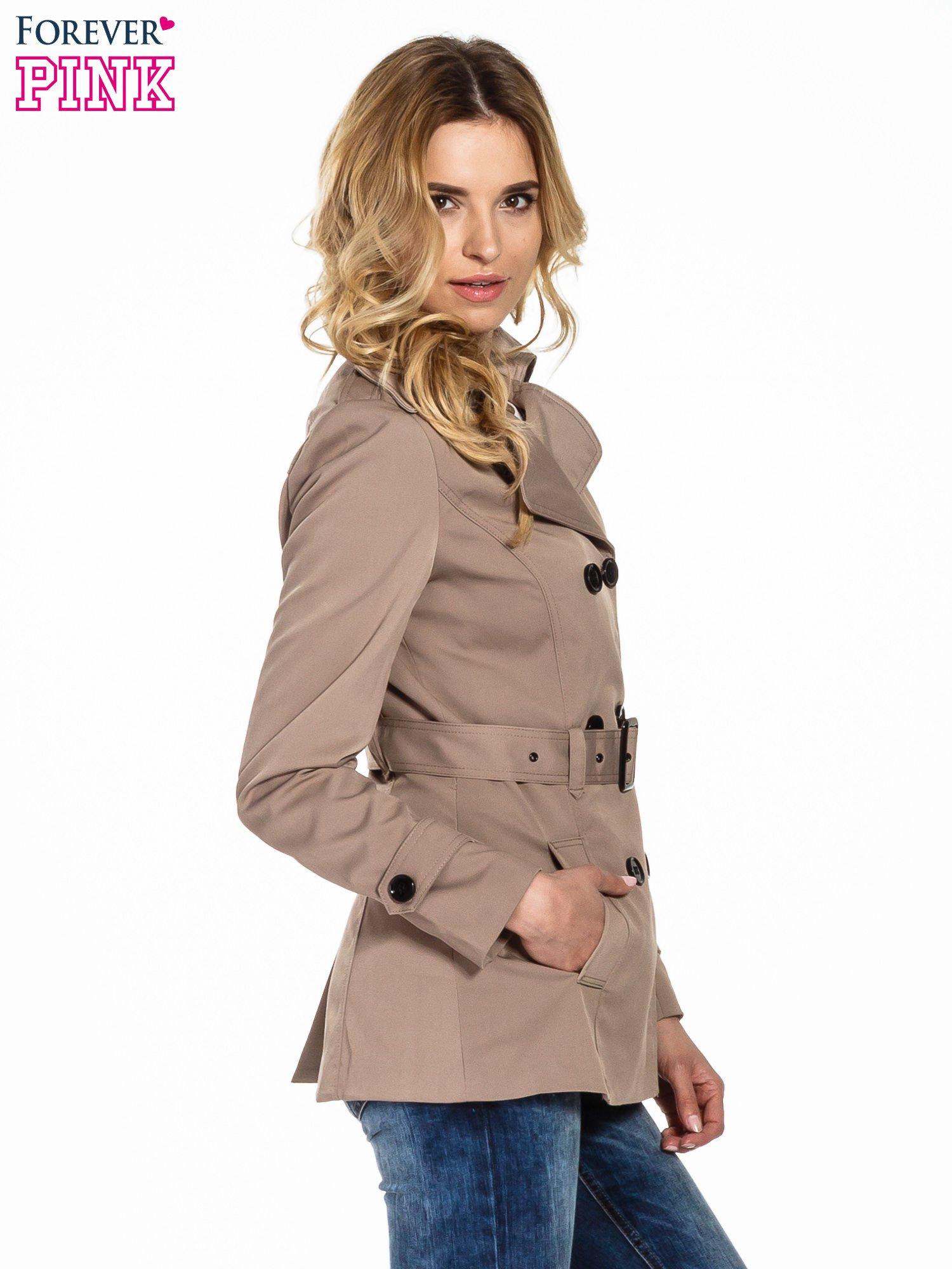 Jasnobrązowy krótki płaszcz trencz                                  zdj.                                  3