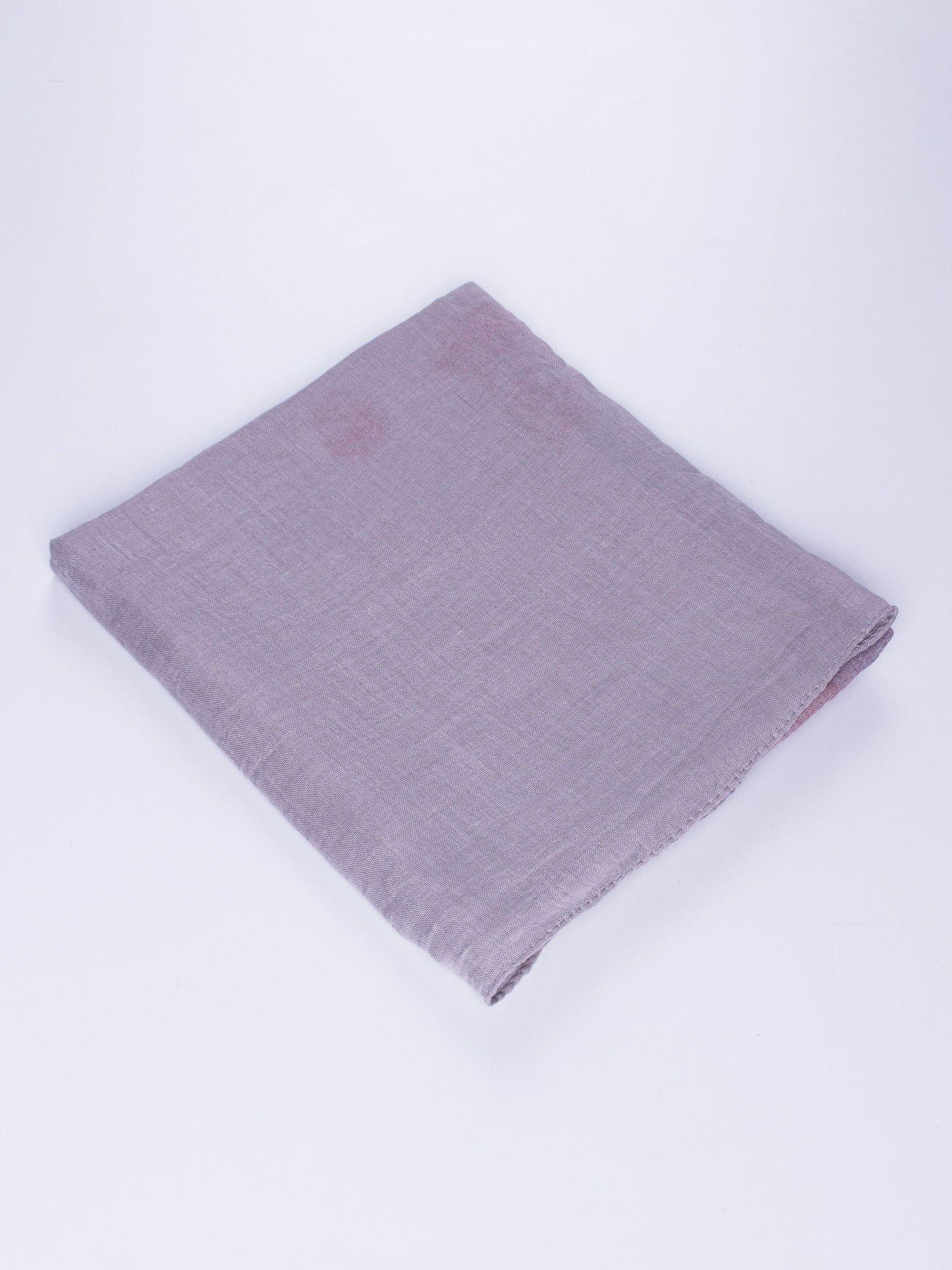 Jasnofioletowa chusta z efektem ombre                                  zdj.                                  2