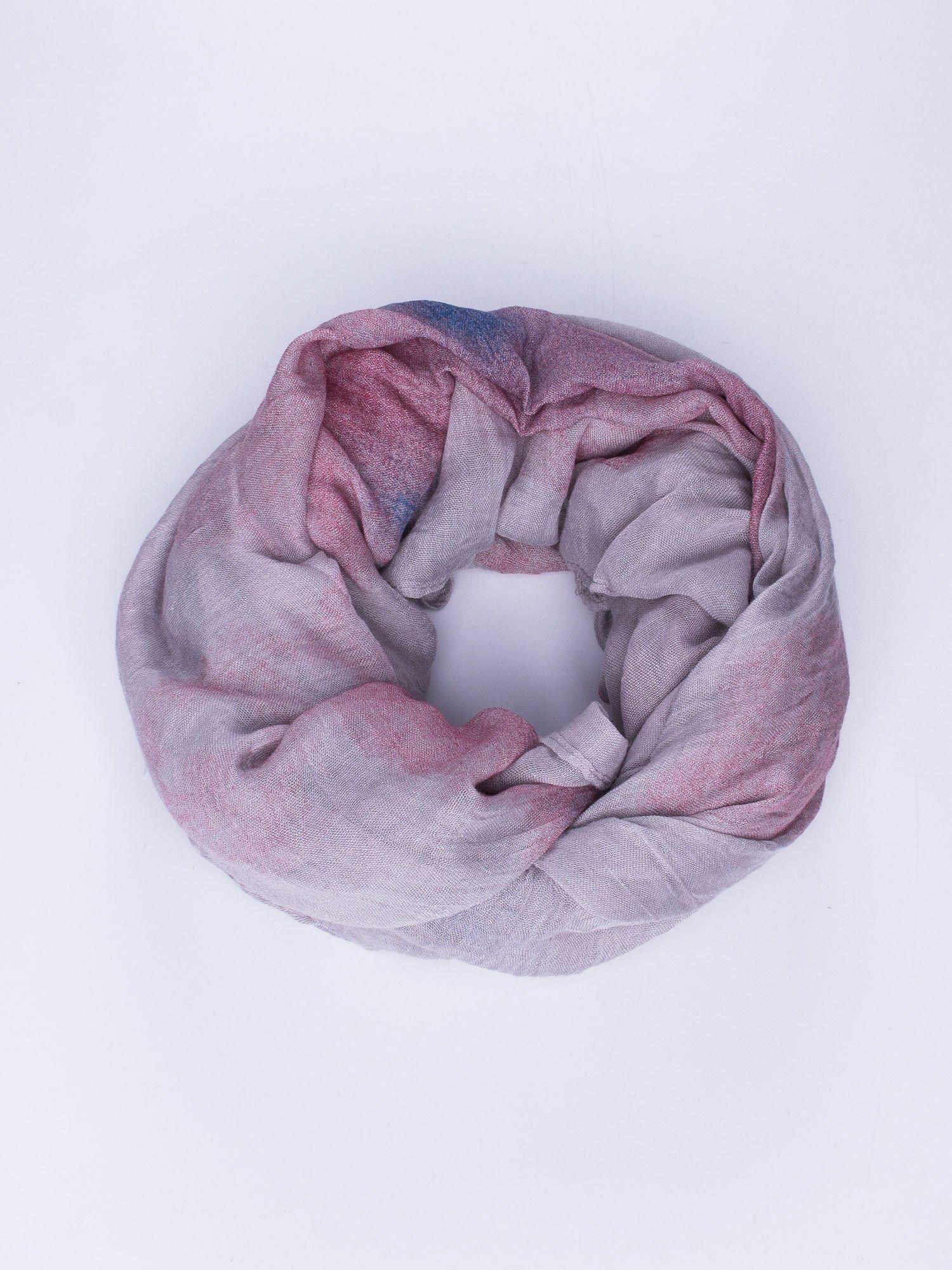 Jasnofioletowa chusta z efektem ombre                                  zdj.                                  1