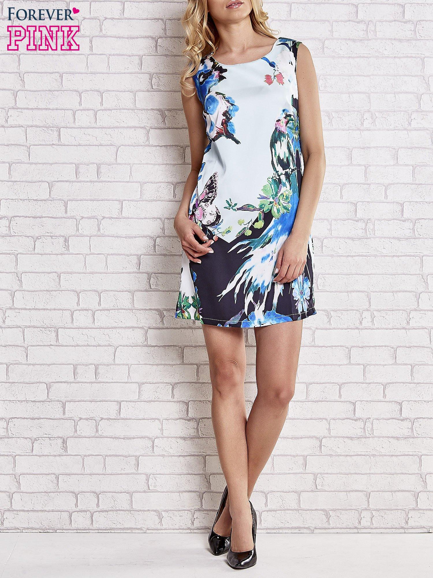 Jasnoniebieska sukienka z malowanym nadrukiem                                  zdj.                                  2