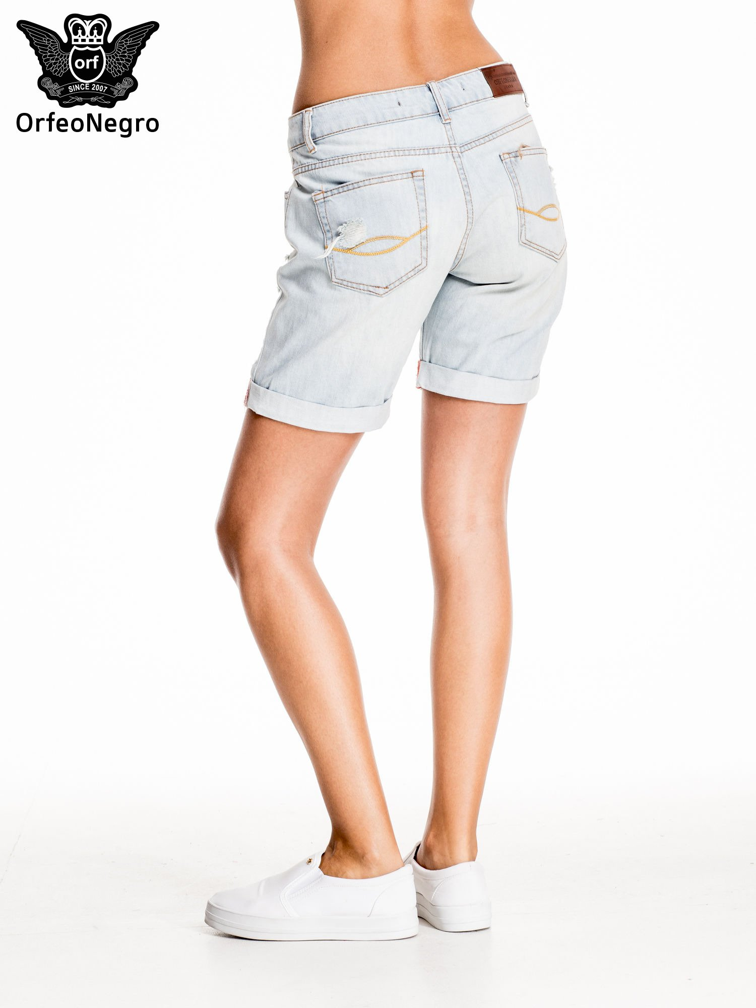 Jasnoniebieskie jeansowe szorty a'la bermudy                                  zdj.                                  2