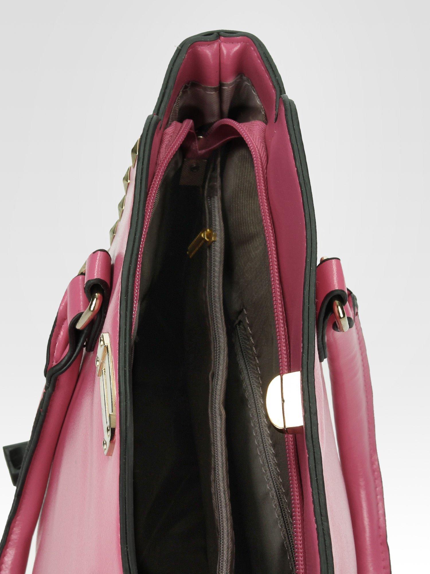 Jasnoróżowa torebka na ramię z dżetami                                  zdj.                                  10
