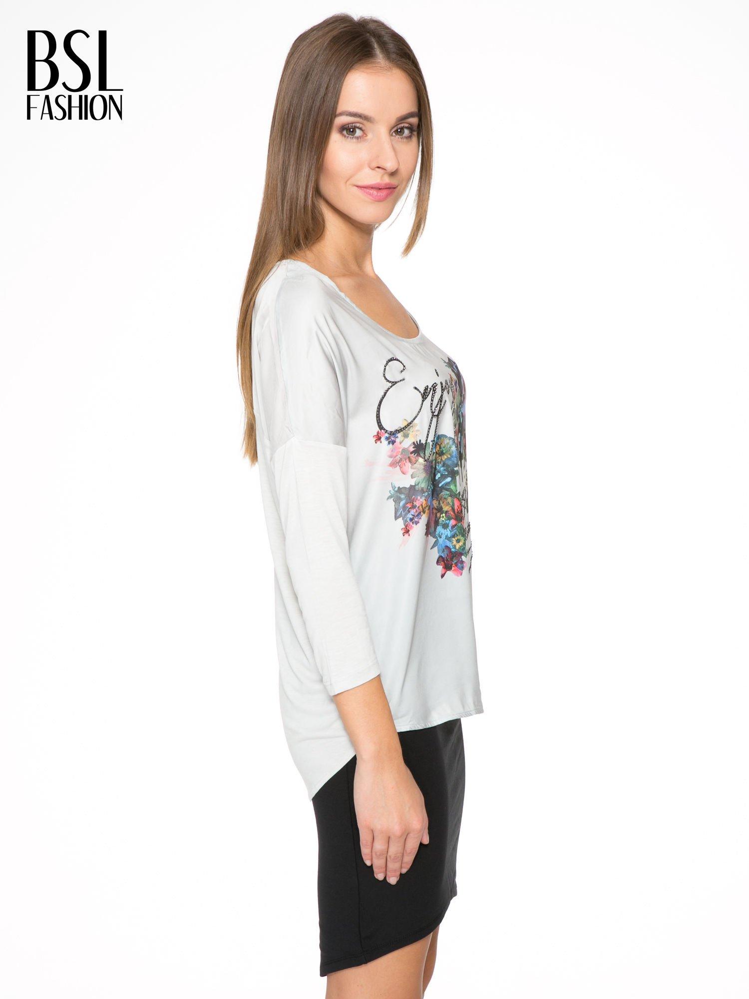 Jasnoszara bluzka z kwiatowym nadrukiem i rękawami 3/4                                  zdj.                                  3