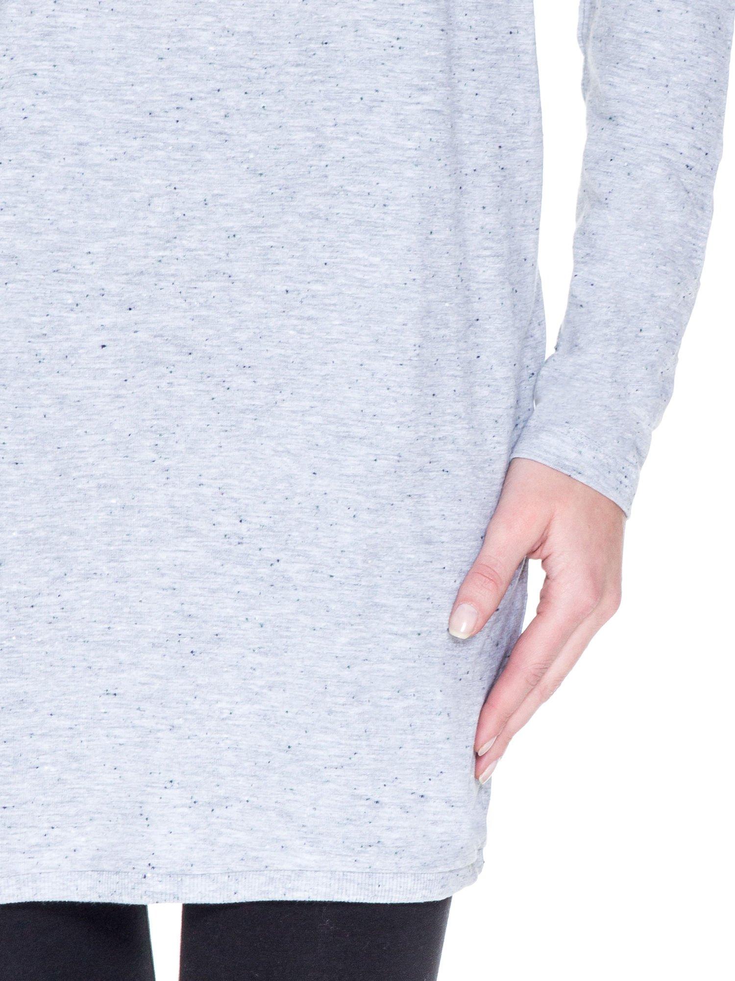 Jasnoszara tunika dresowa z obniżoną linią ramion                                  zdj.                                  6