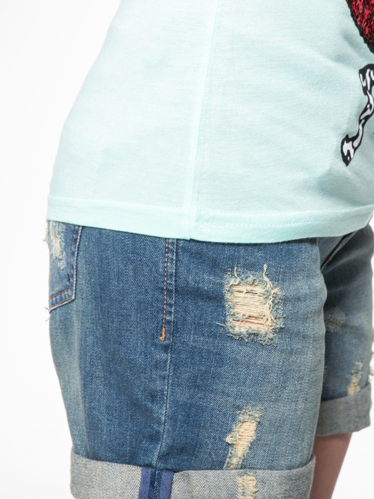 Jasnozielony t-shirt z ustami z cekinów i rękawami z siateczki                                  zdj.                                  10