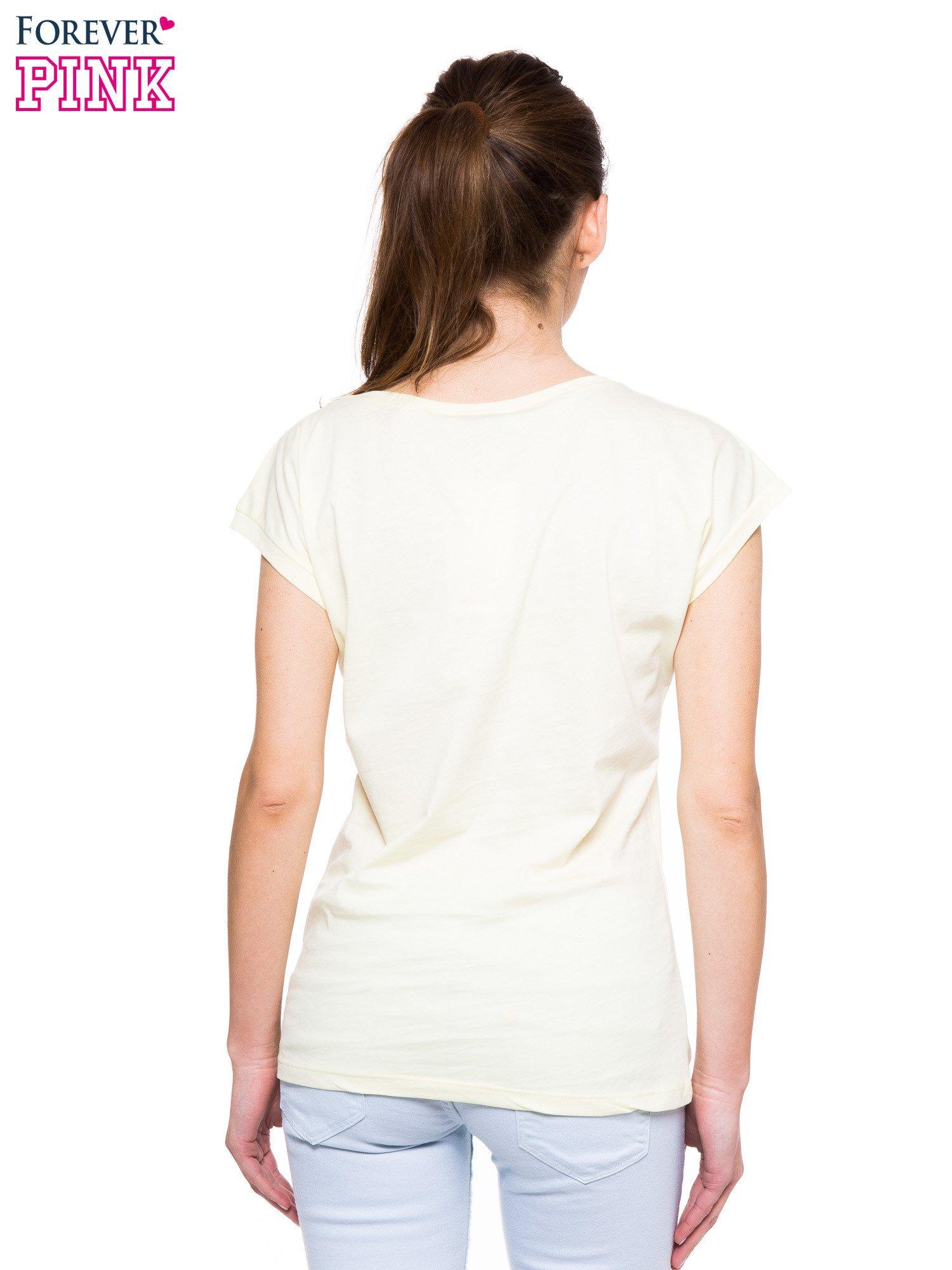 Jasnożółty t-shirt z hipsterskim nadrukiem ptaków                                  zdj.                                  3