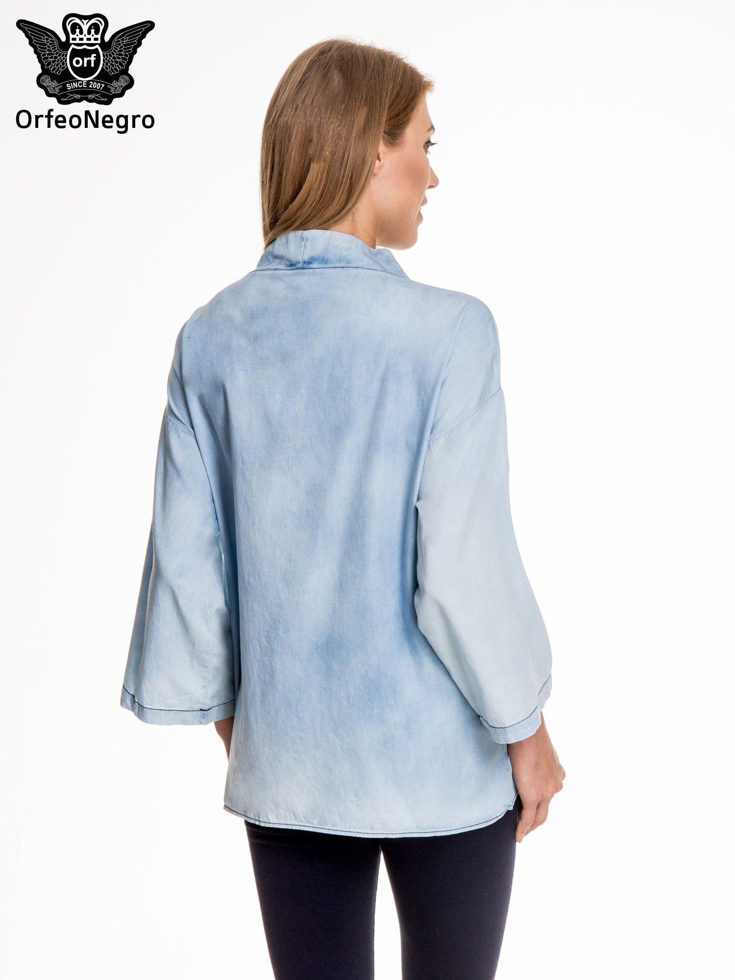 Jeansowa koszula narzutka o kroju kimono                                  zdj.                                  4