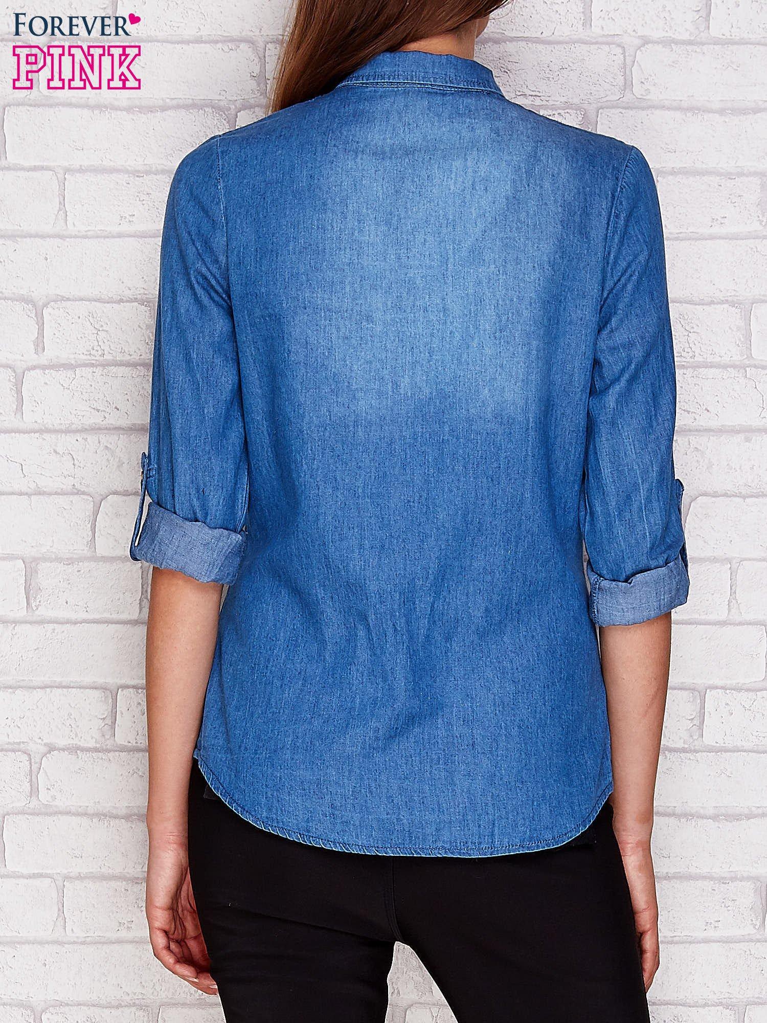 Jeansowa koszula z ozdobną listwą niebieska