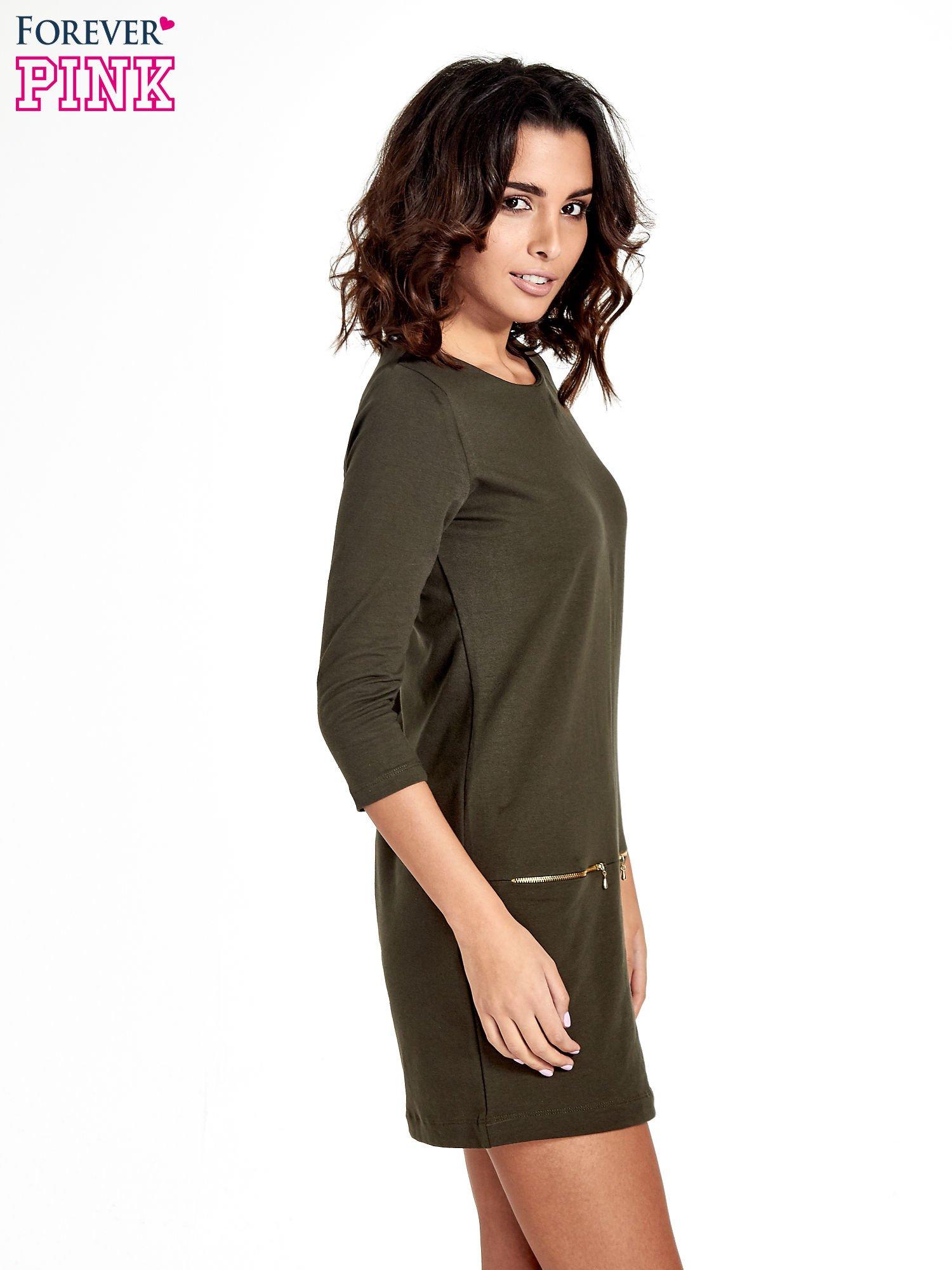 Khaki sukienka ze złotymi suwakami                                  zdj.                                  3