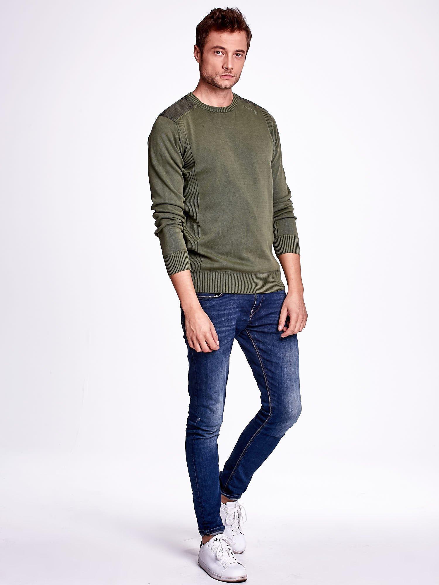 Khaki sweter męski z prążkowanymi wstawkami                                  zdj.                                  2