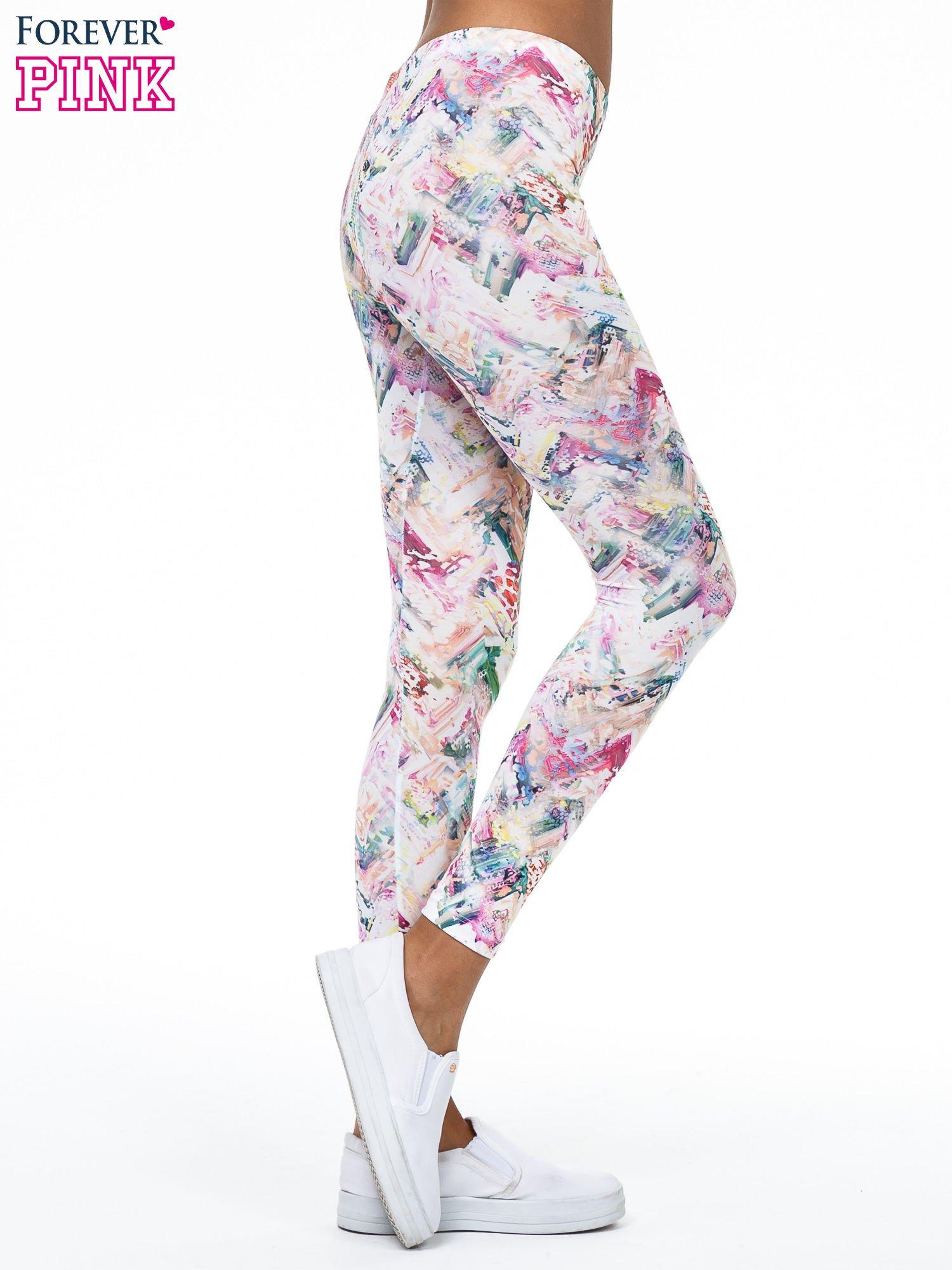 Kolorowe legginsy z pastelowym nadrukiem                                  zdj.                                  3