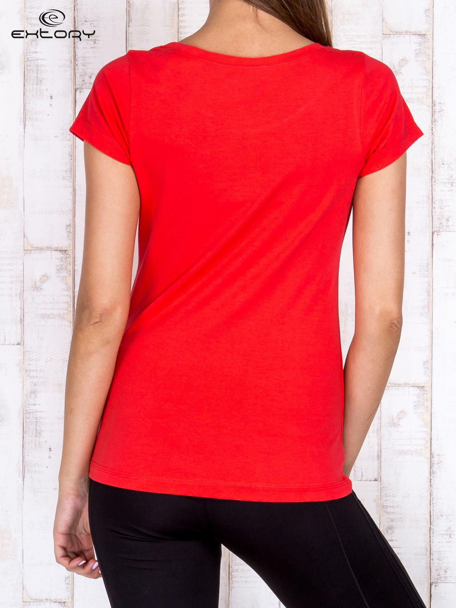 Koralowy damski t-shirt sportowy basic PLUS SIZE                                  zdj.                                  4