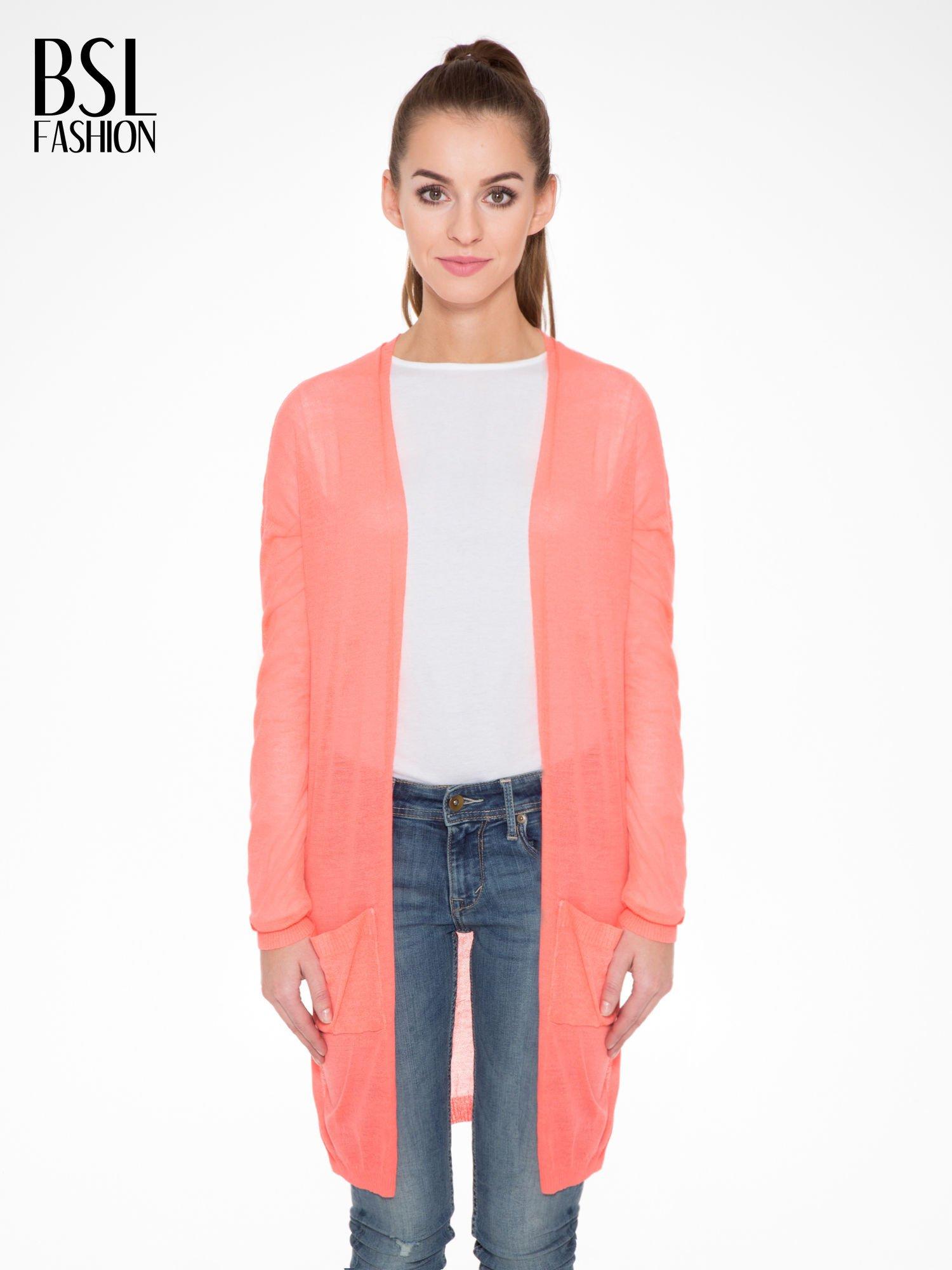 Koralowy długi sweter typu kardigan z kieszonkami                                  zdj.                                  1