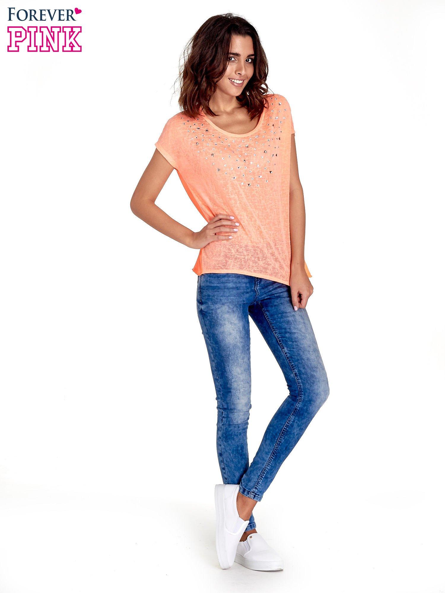 Koralowy t-shirt z kryształkami                                  zdj.                                  2