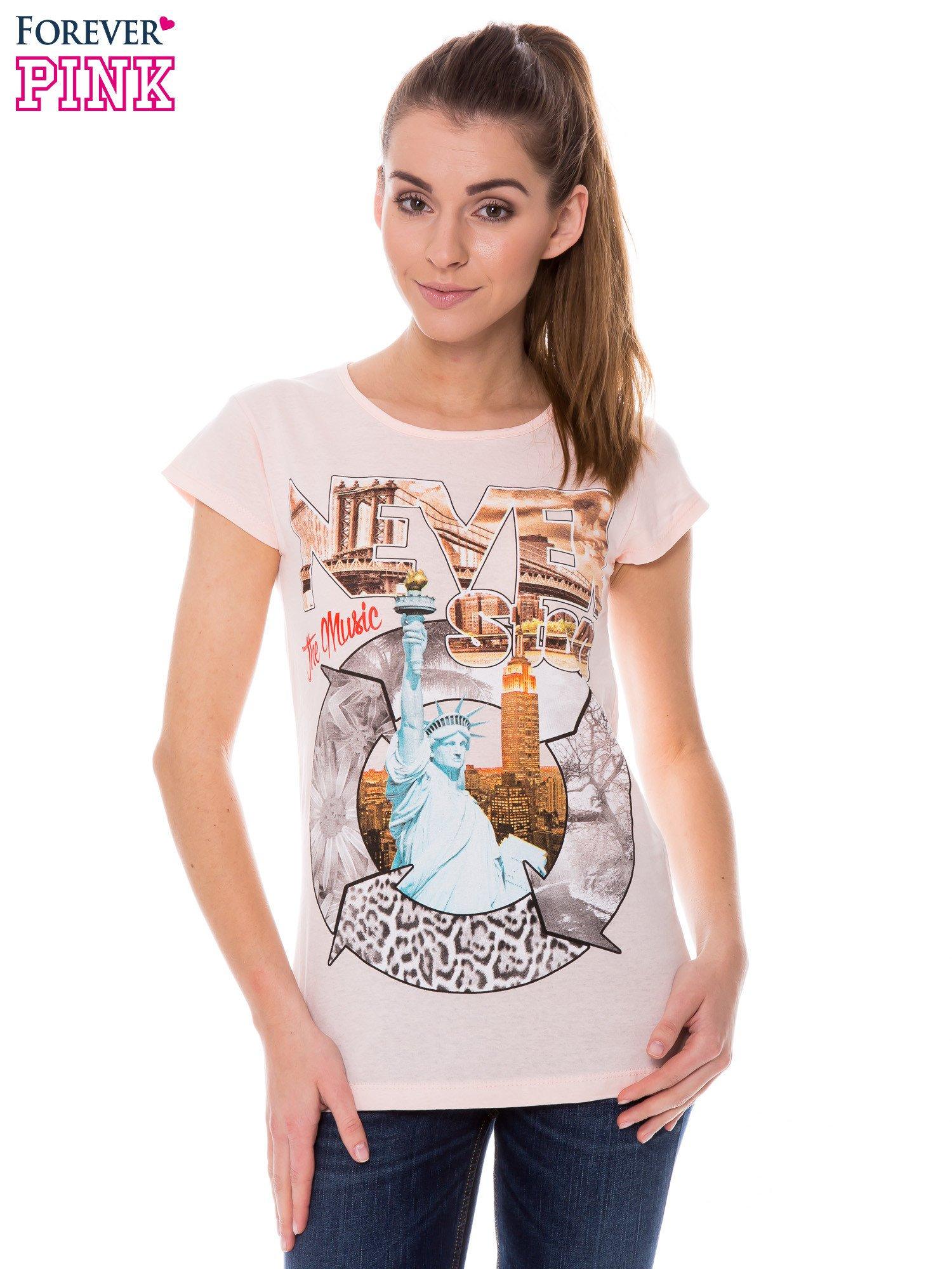 Koralowy t-shirt z nadrukiem w amerykańskim stylu                                  zdj.                                  1