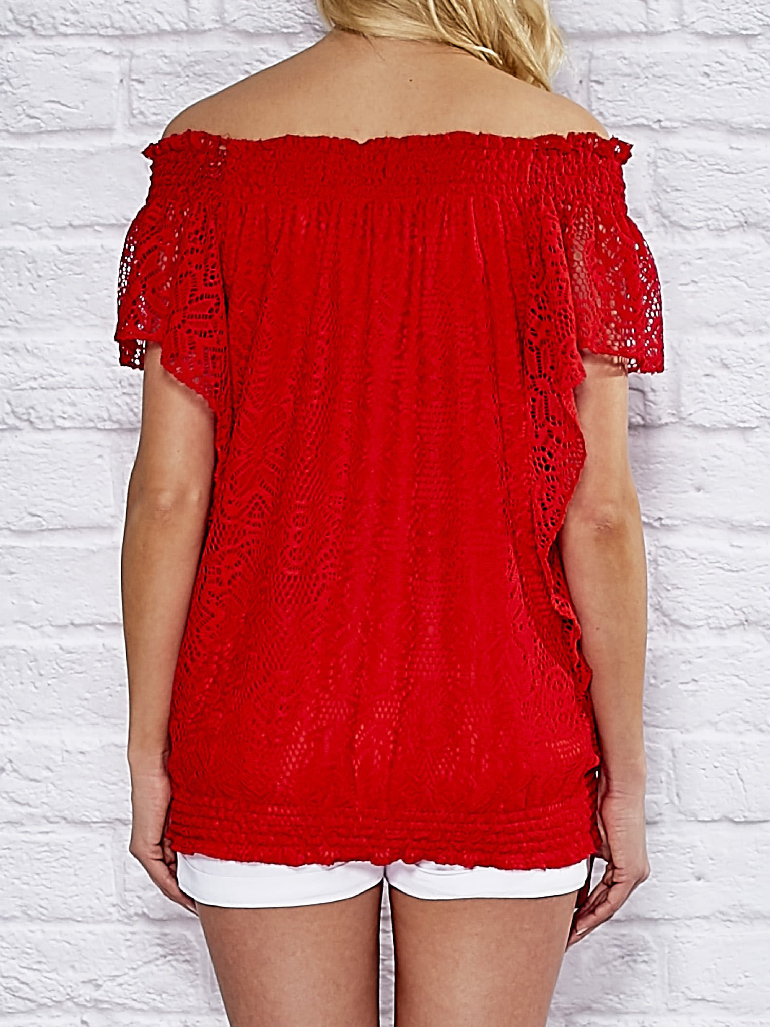 b86fdc83d5d4a3 1 · Koronkowa bluzka z hiszpańskim dekoltem i gumką na dole czerwona ...