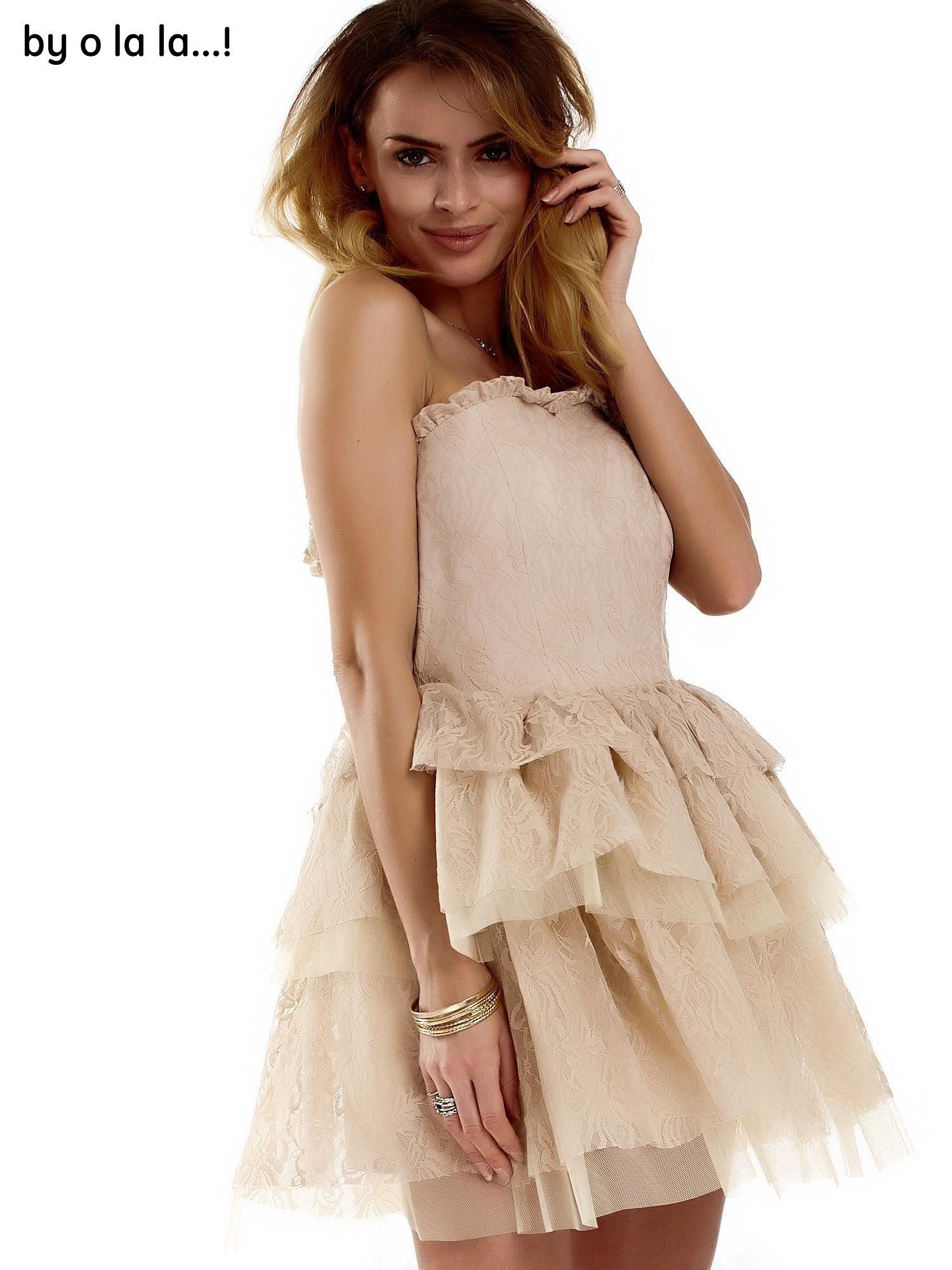 3681f453d6 1 · Koronkowa gorsetowa sukienka z warstwowymi falbanami beżowa BY O LA LA  ...