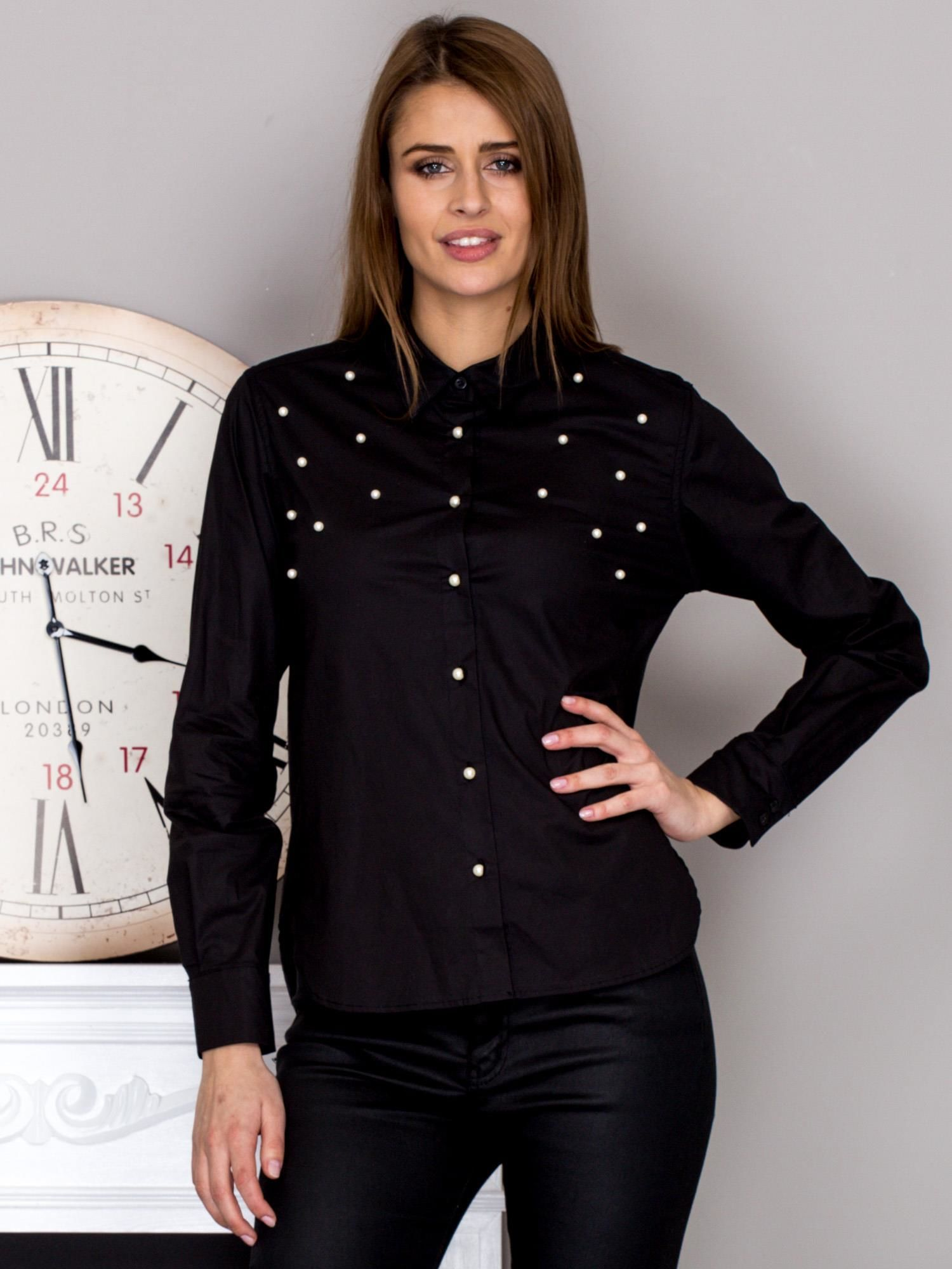 b24072a6f5 Koszula damska z perełkami czarna - Koszula z perełkami - sklep eButik.pl