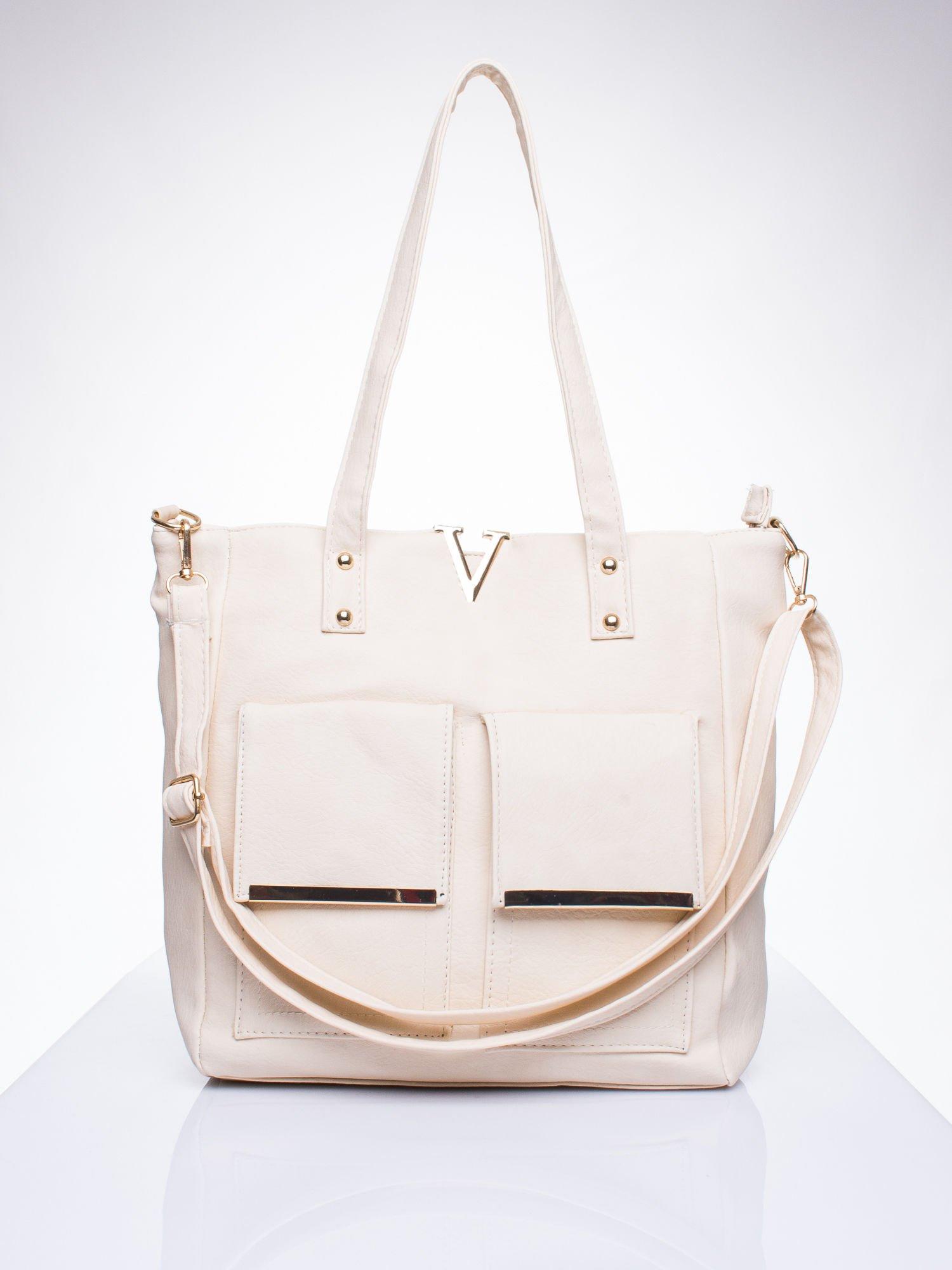 Kremowa torba shopper bag ze kieszeniami na klapki                                  zdj.                                  1