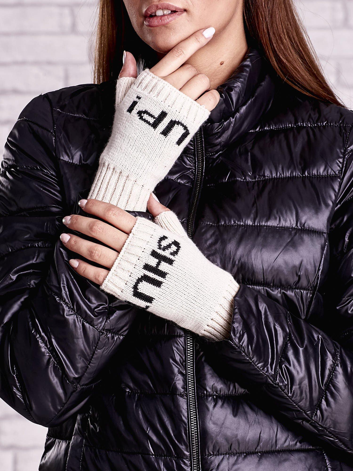 Kremowe rękawiczki bez palców z napisem SHUT UP!                                  zdj.                                  2