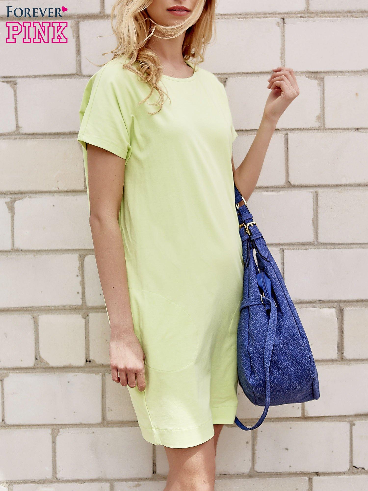 Limonkowa sukienka dresowa z kieszeniami po bokach                                  zdj.                                  3