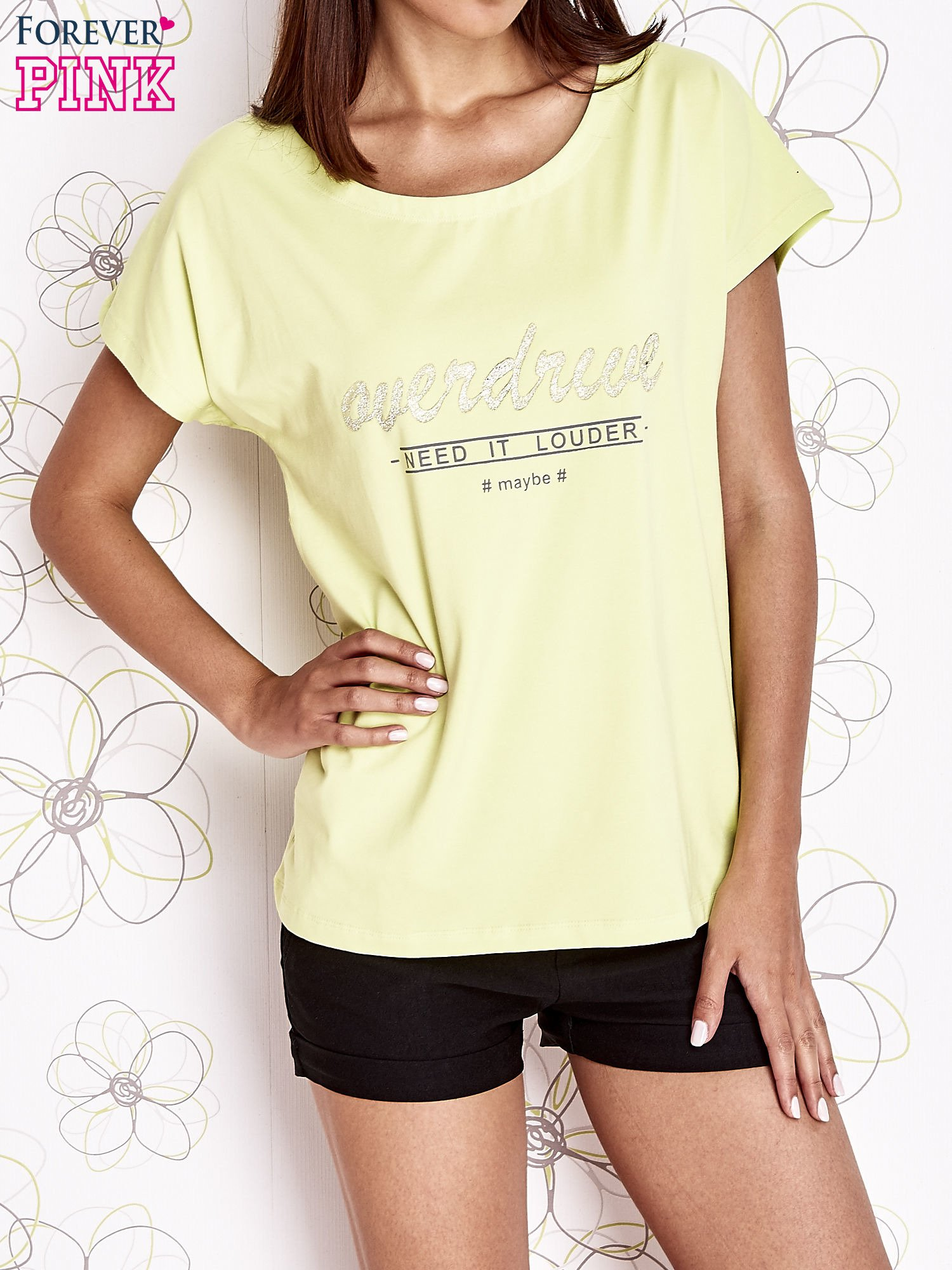 Limonkowy t-shirt z napisem NEED IT LOUDER                                  zdj.                                  1