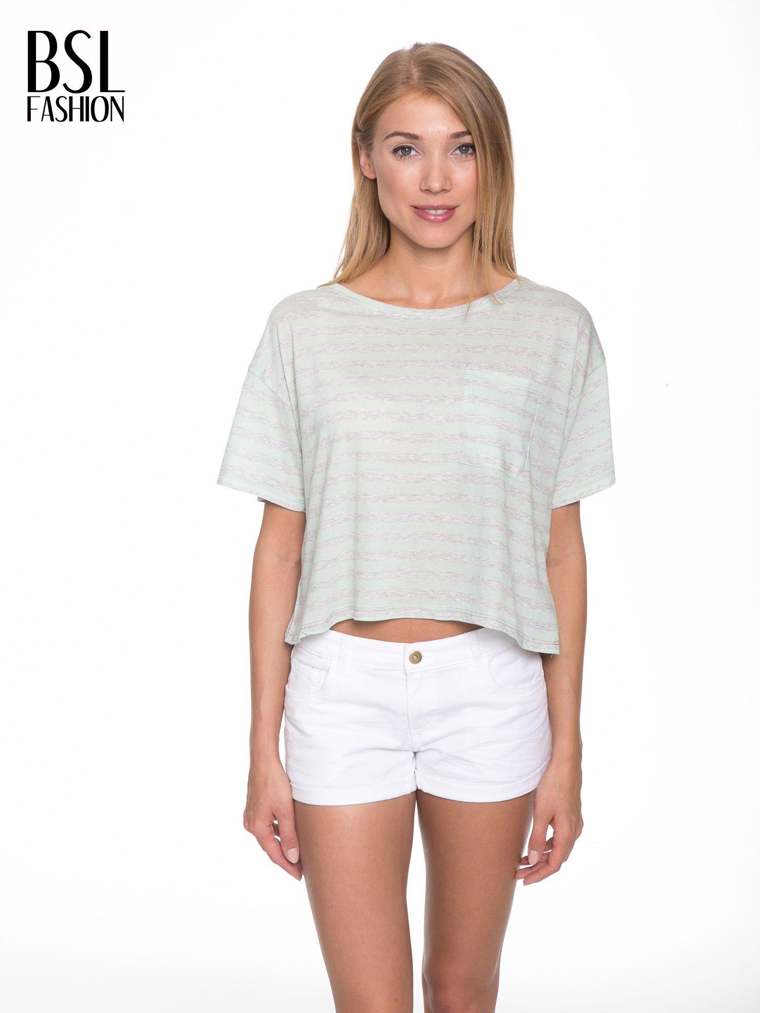 Luźny krótki t-shirt z kieszonką w zielone paski                                  zdj.                                  1