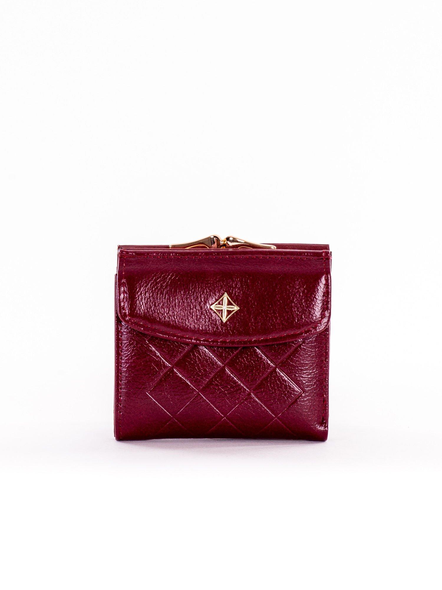 e912709db1c51 Mały elegancki bordowy portfel damski na bigiel - Akcesoria portfele ...