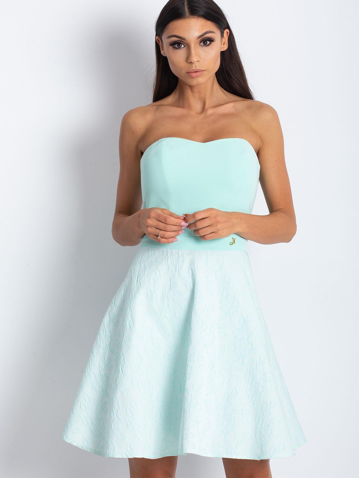 d4de5e87e0 Miętowa rozkloszowana sukienka bez ramiączek - Sukienka koktajlowa ...