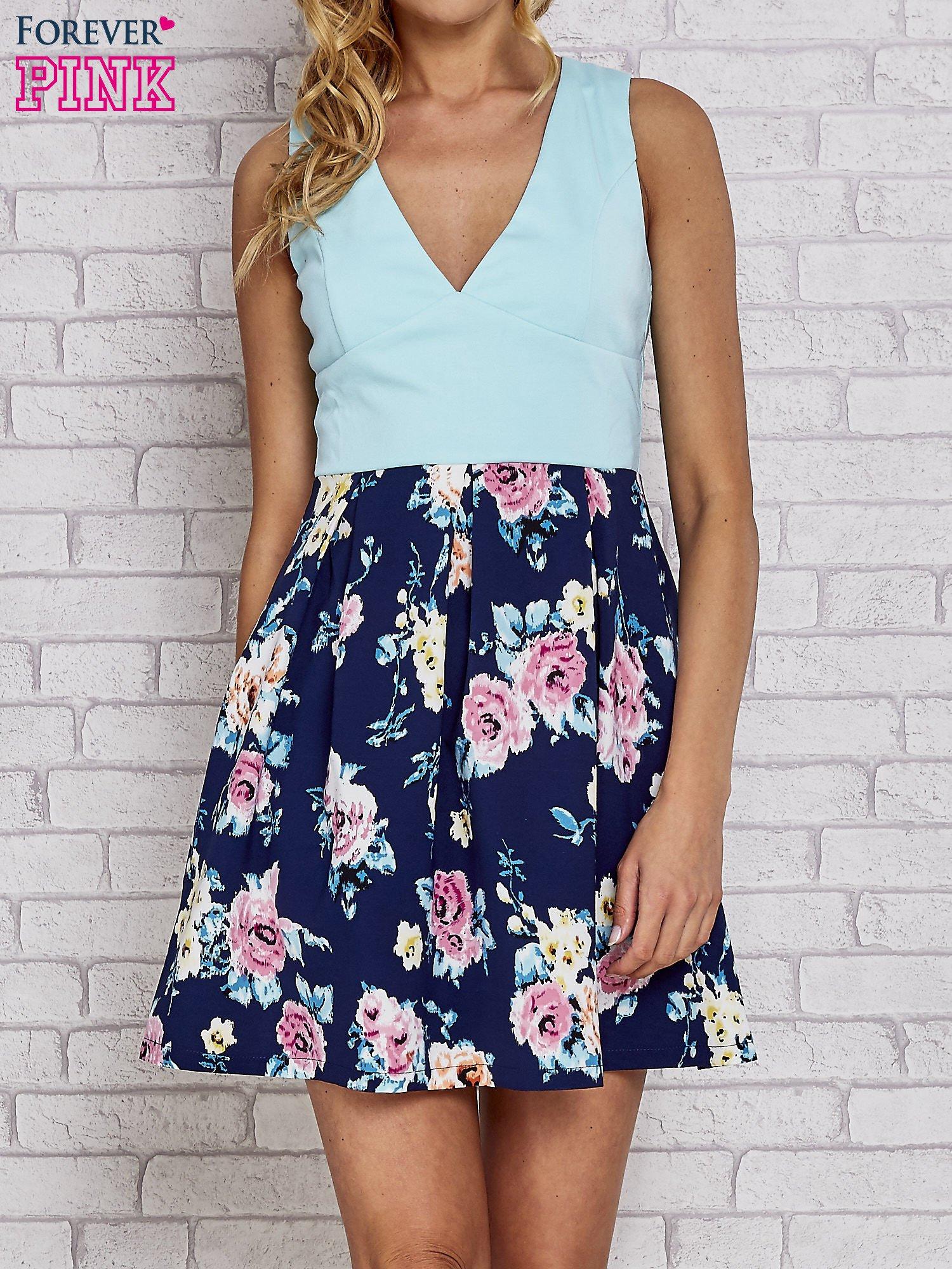 Miętowa sukienka skater z kwiatowym dołem                                  zdj.                                  1