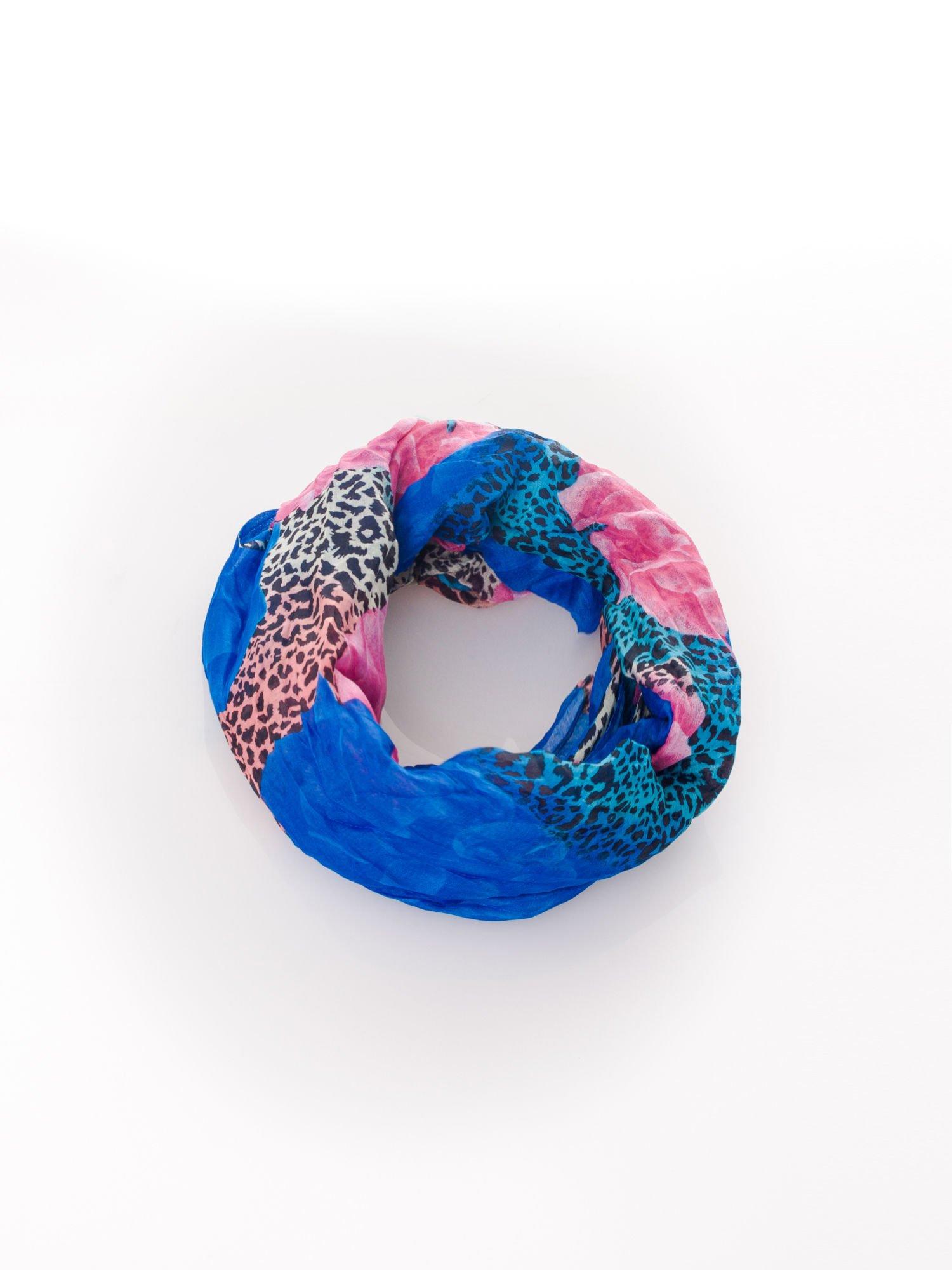 Niebieska chusta z motywem panterki                                  zdj.                                  2