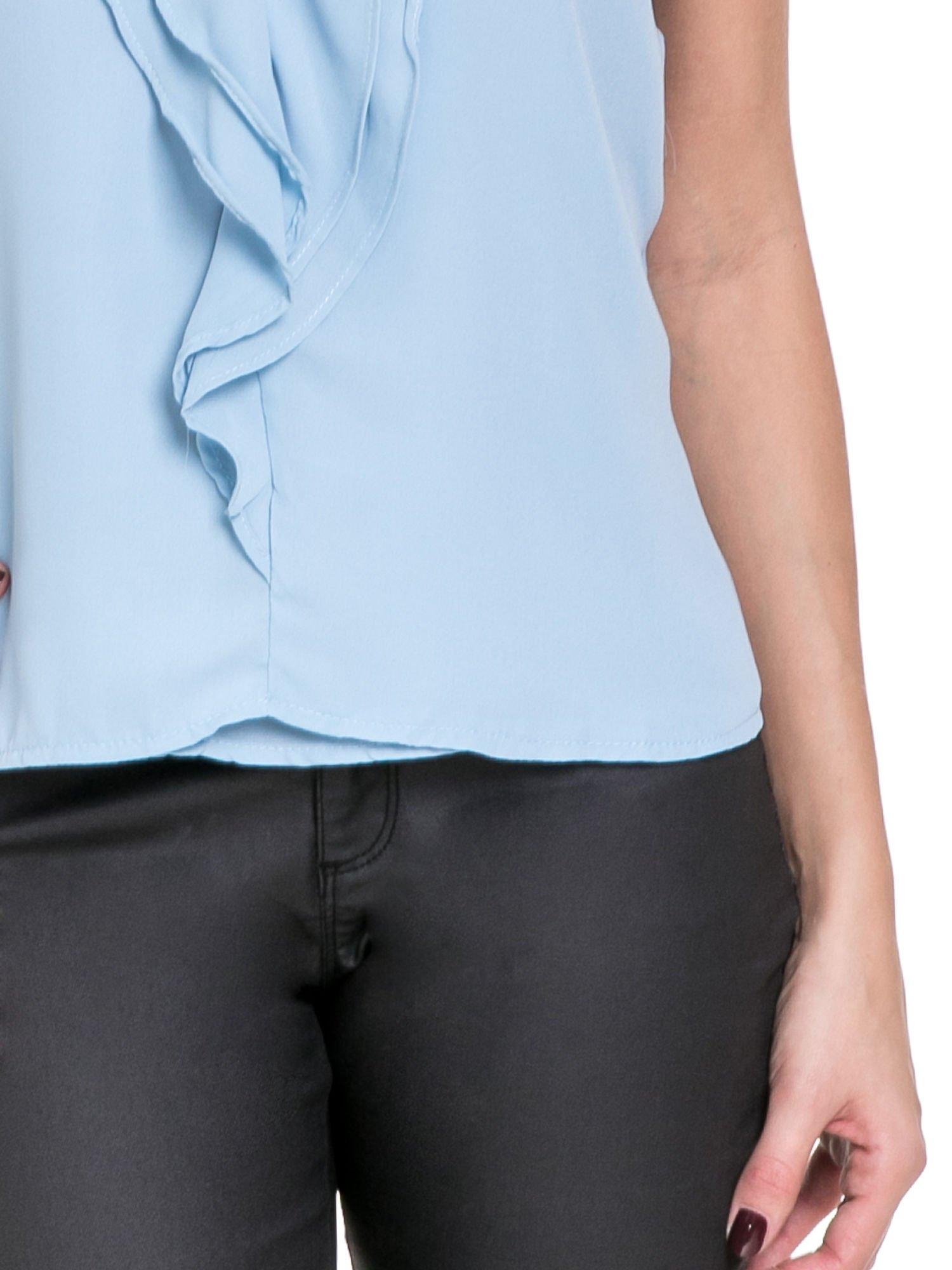 Niebieska elegancka koszula z żabotem                                  zdj.                                  5